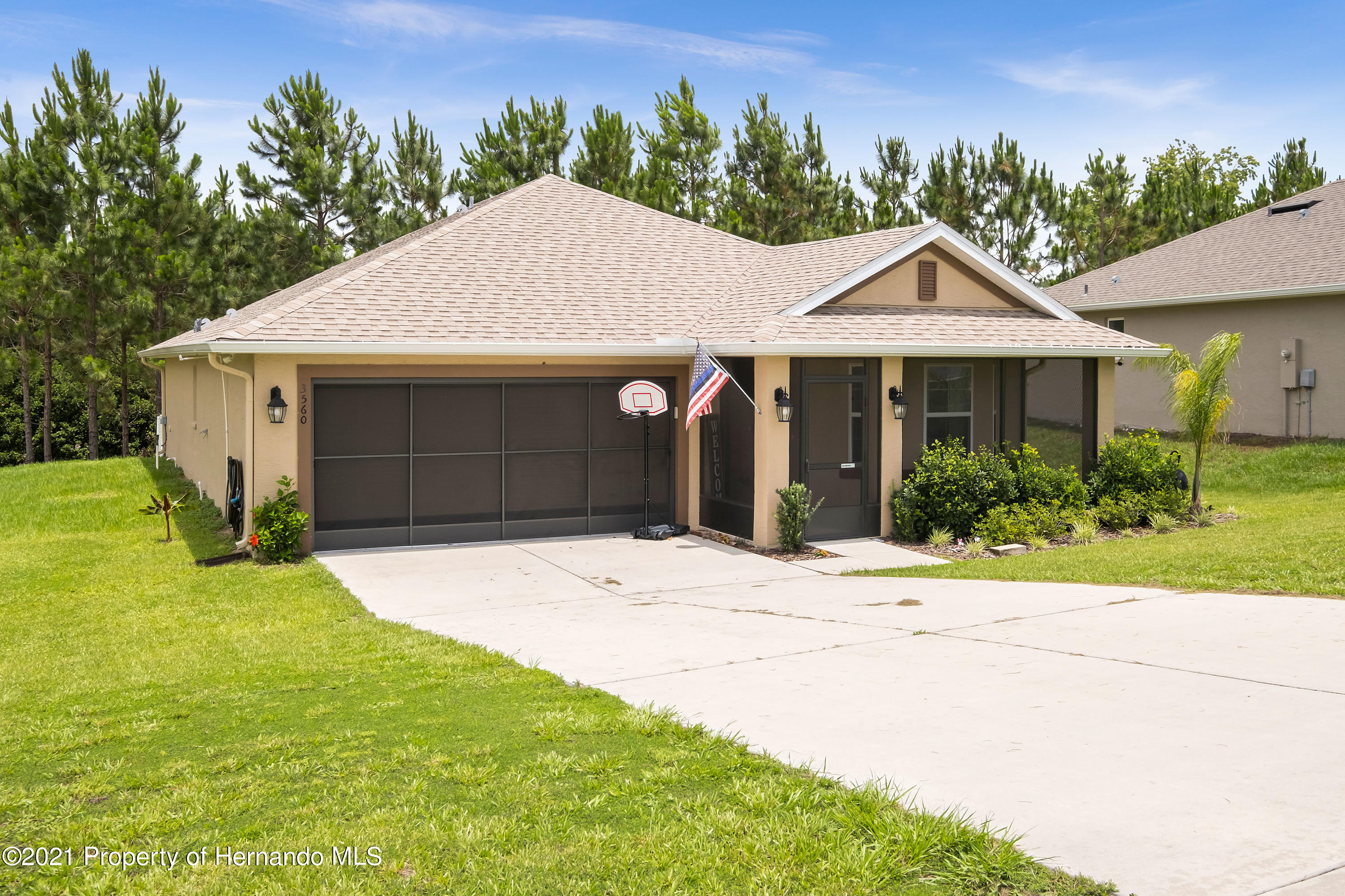 Listing photo id 23 for 3560 N Burroughs Path
