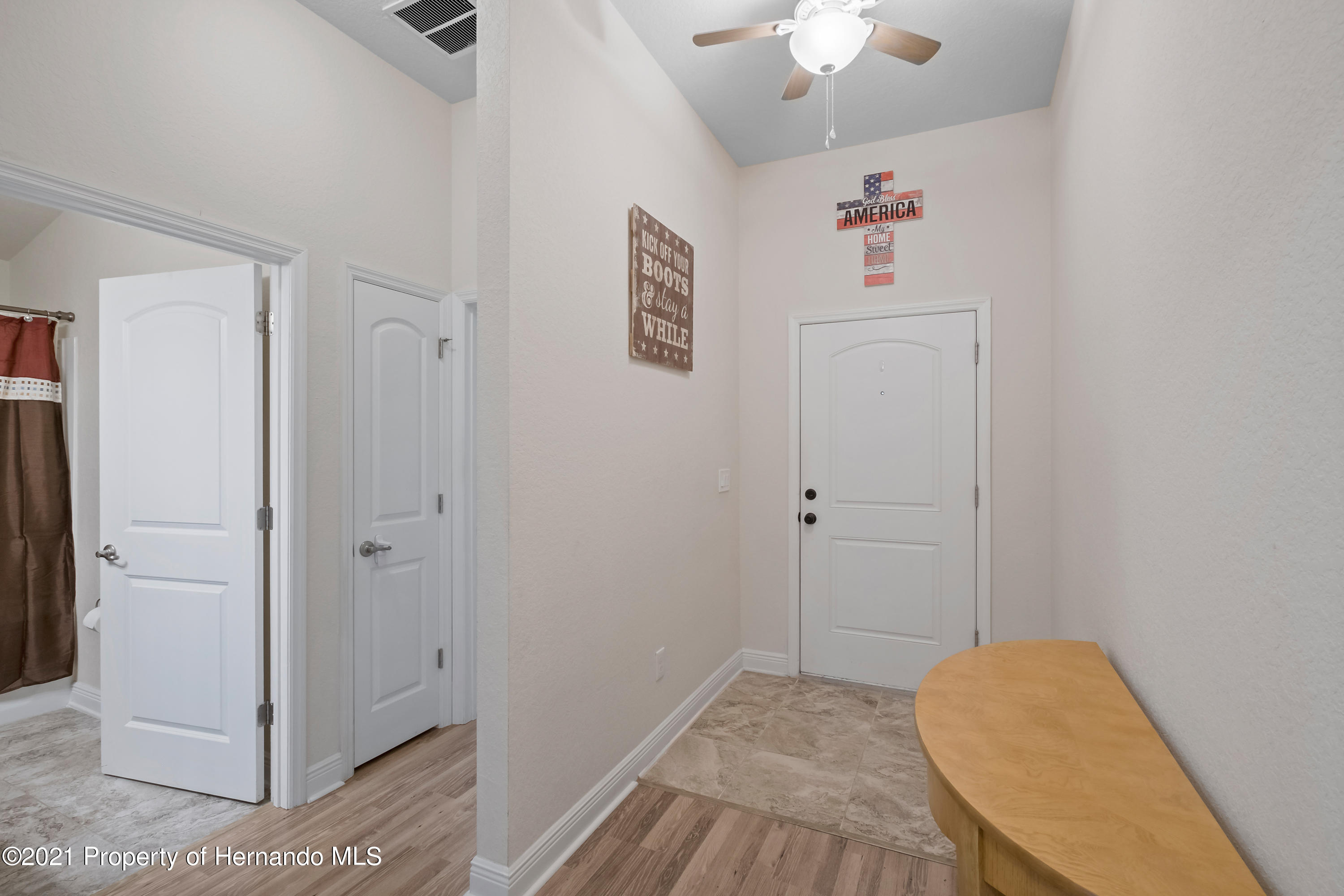 Listing photo id 10 for 3560 N Burroughs Path