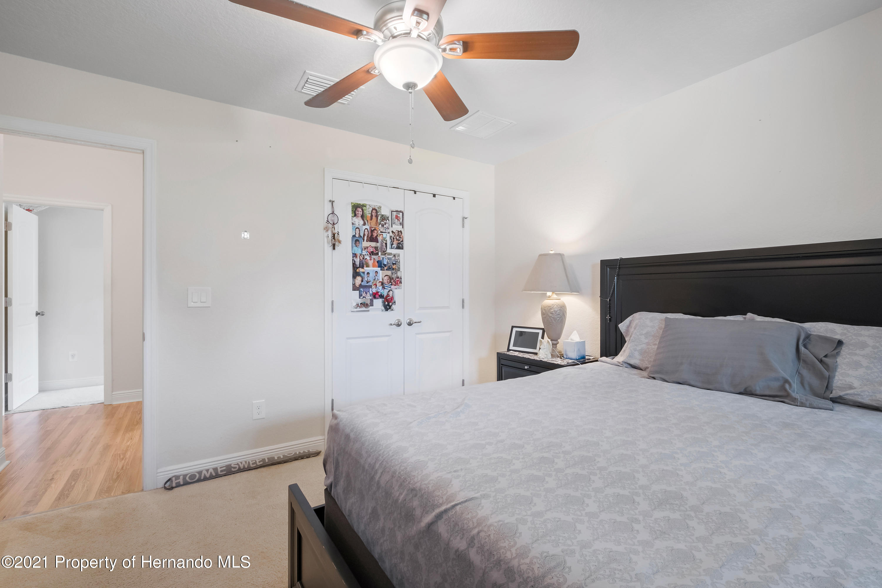 Listing photo id 12 for 3560 N Burroughs Path