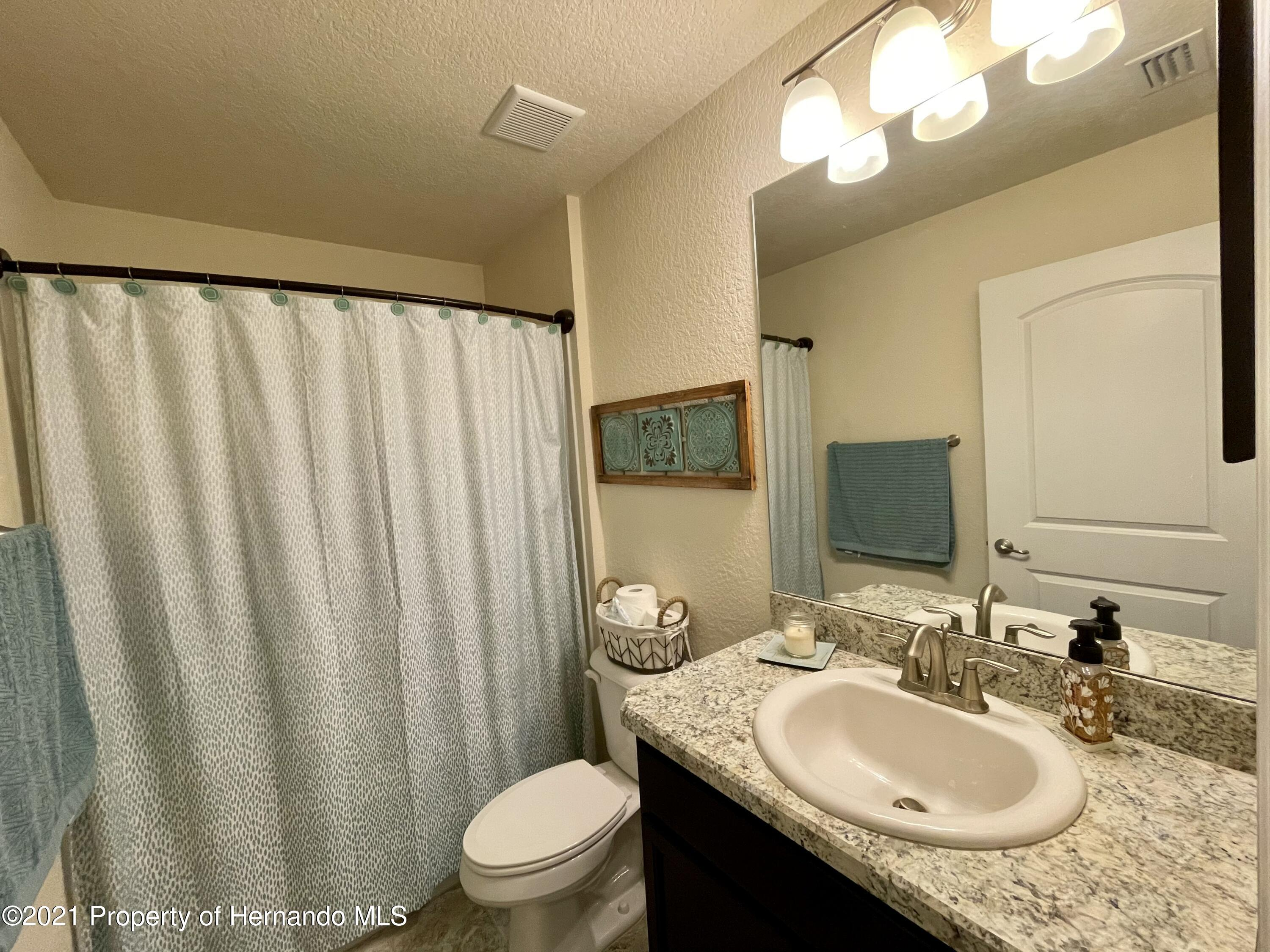 Listing photo id 17 for 13076 Nusser Avenue