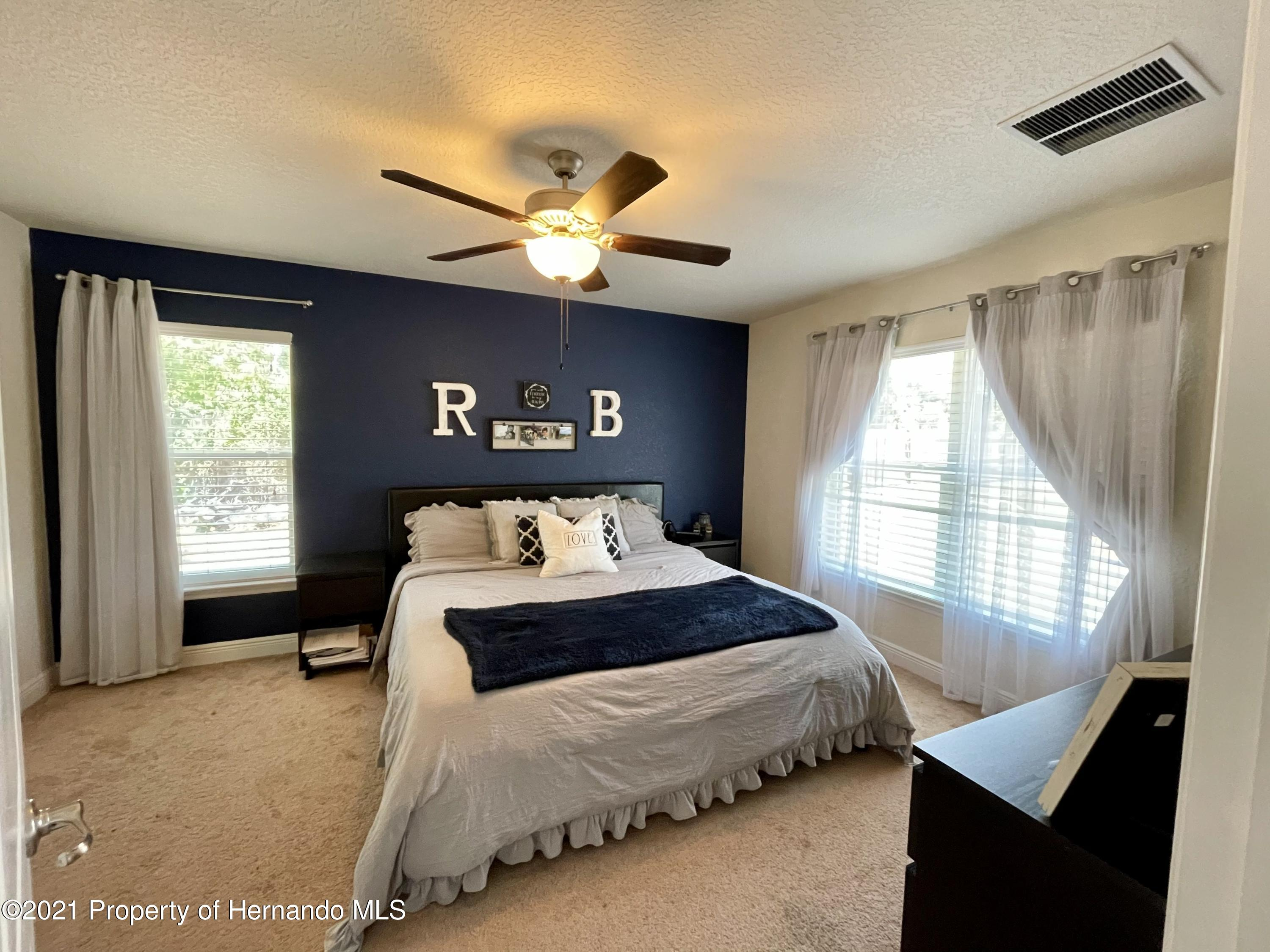 Listing photo id 10 for 13076 Nusser Avenue