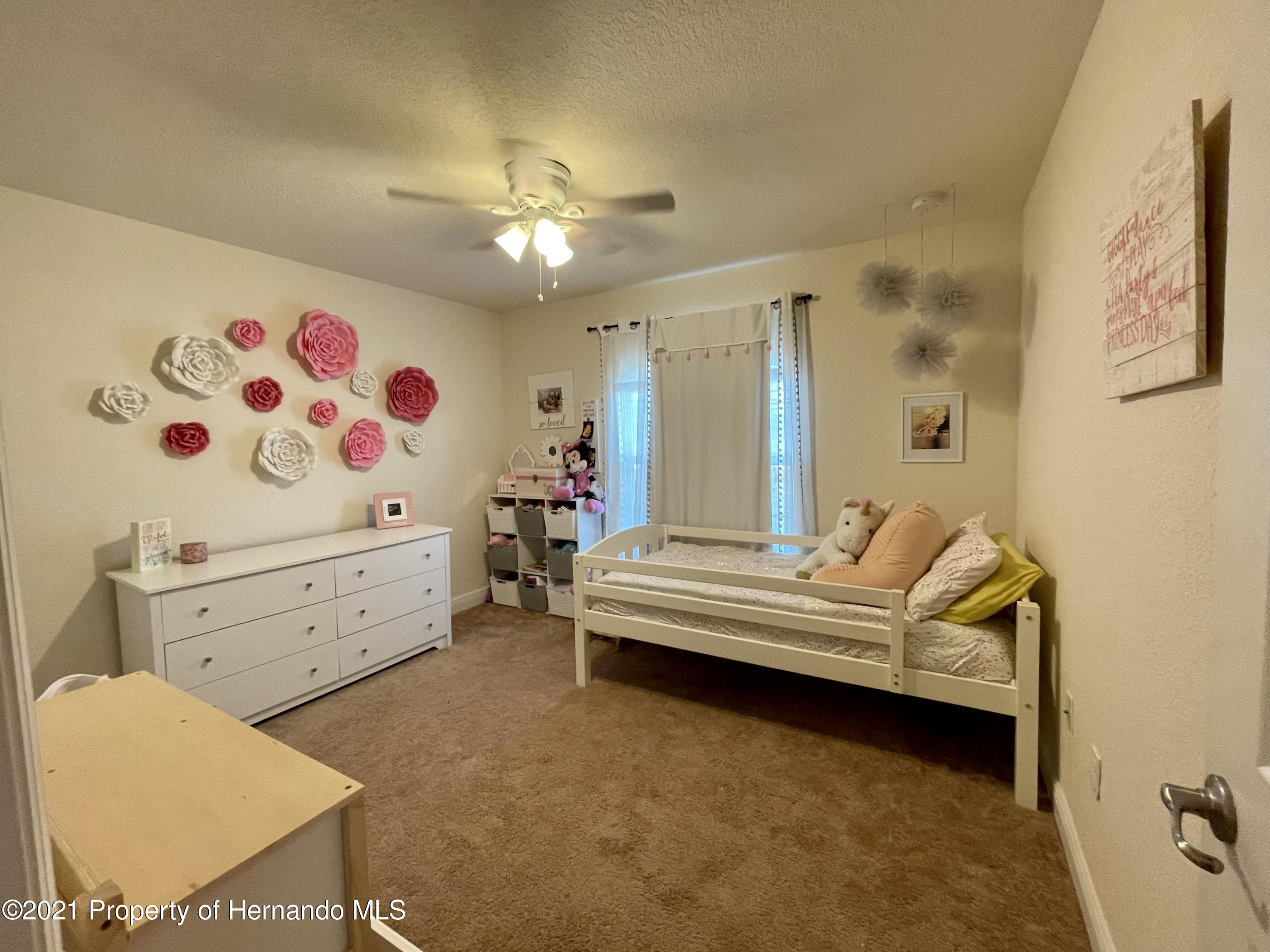 Listing photo id 19 for 13076 Nusser Avenue