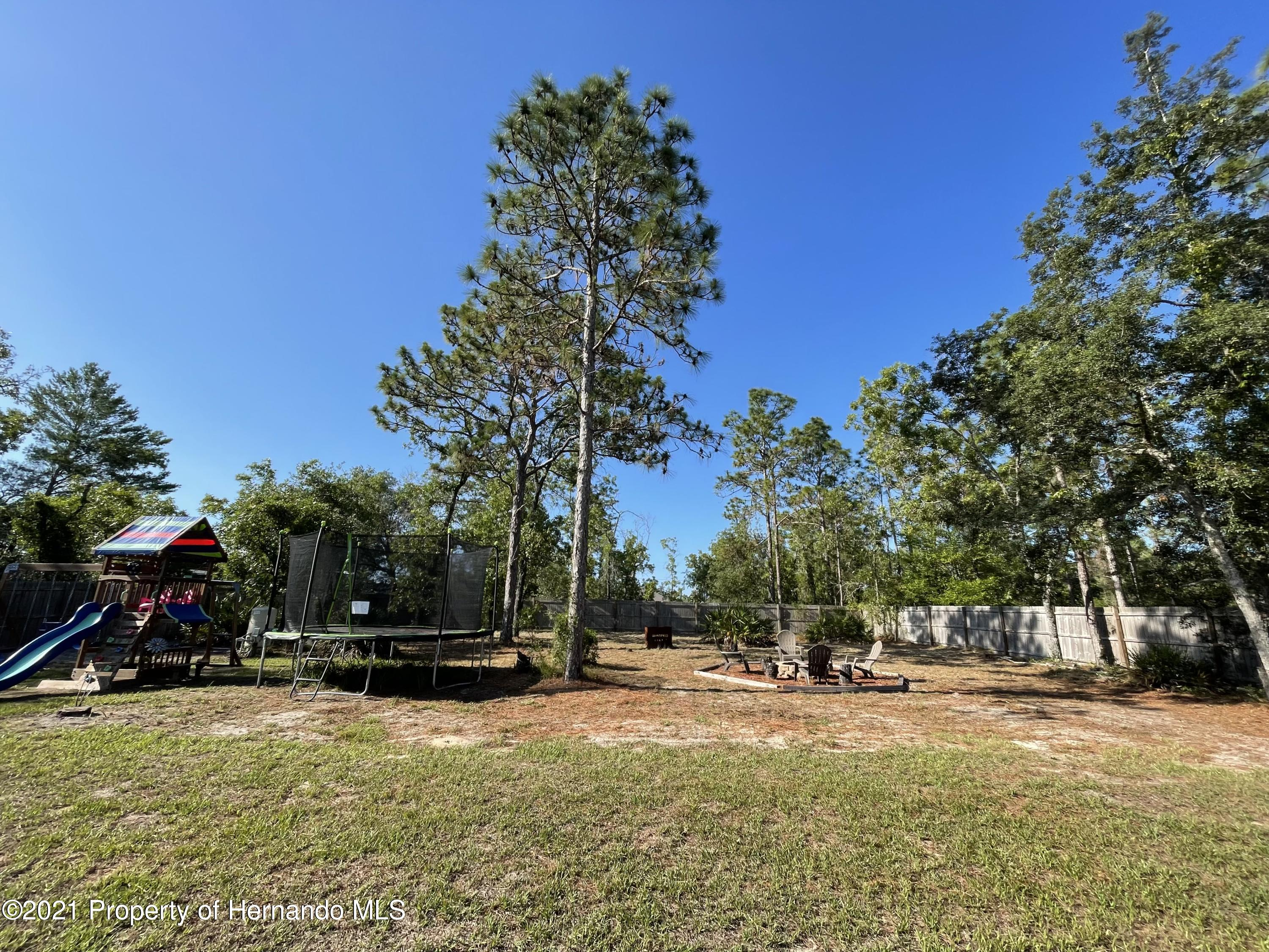 Listing photo id 20 for 13076 Nusser Avenue