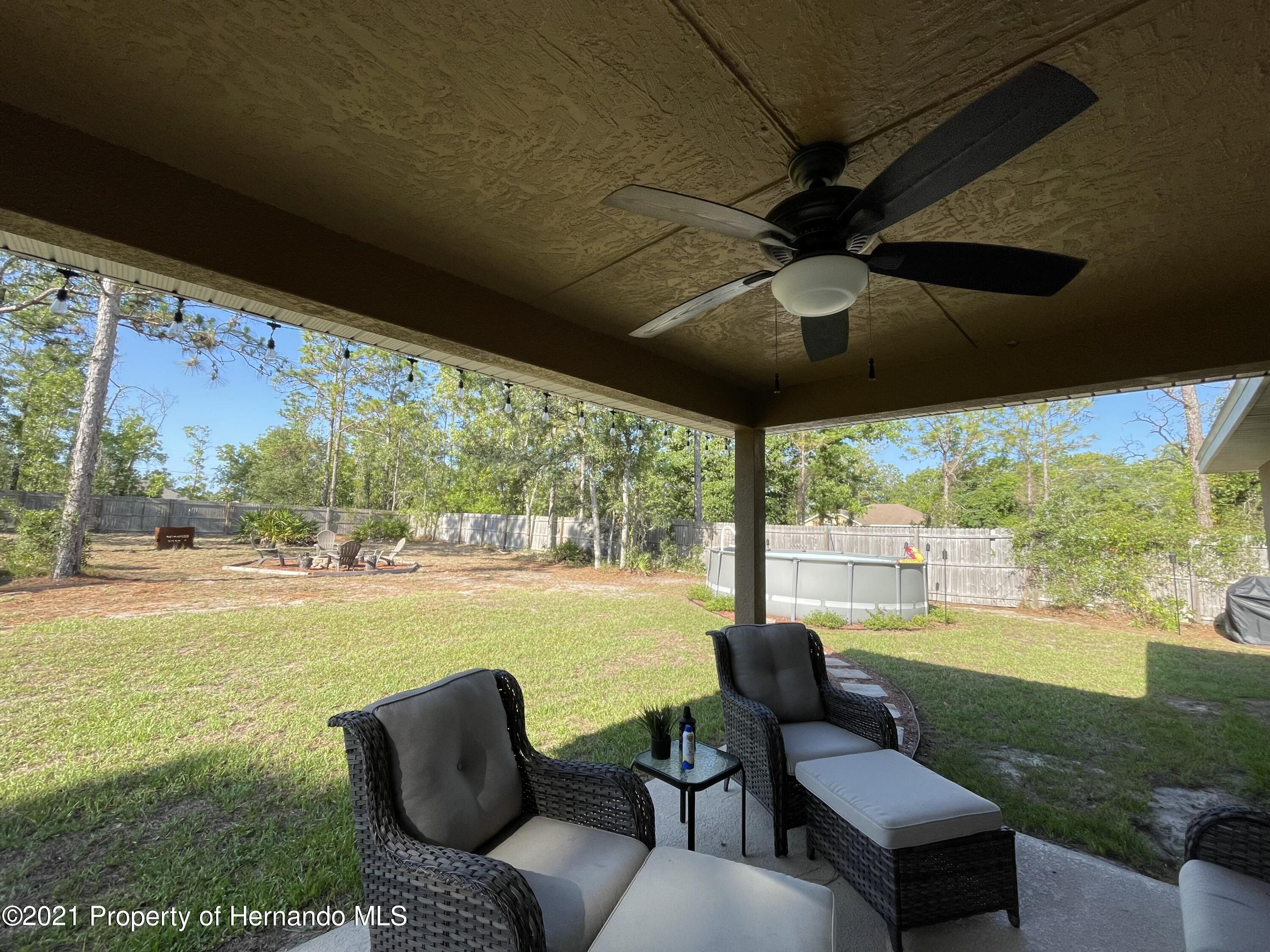 Listing photo id 21 for 13076 Nusser Avenue