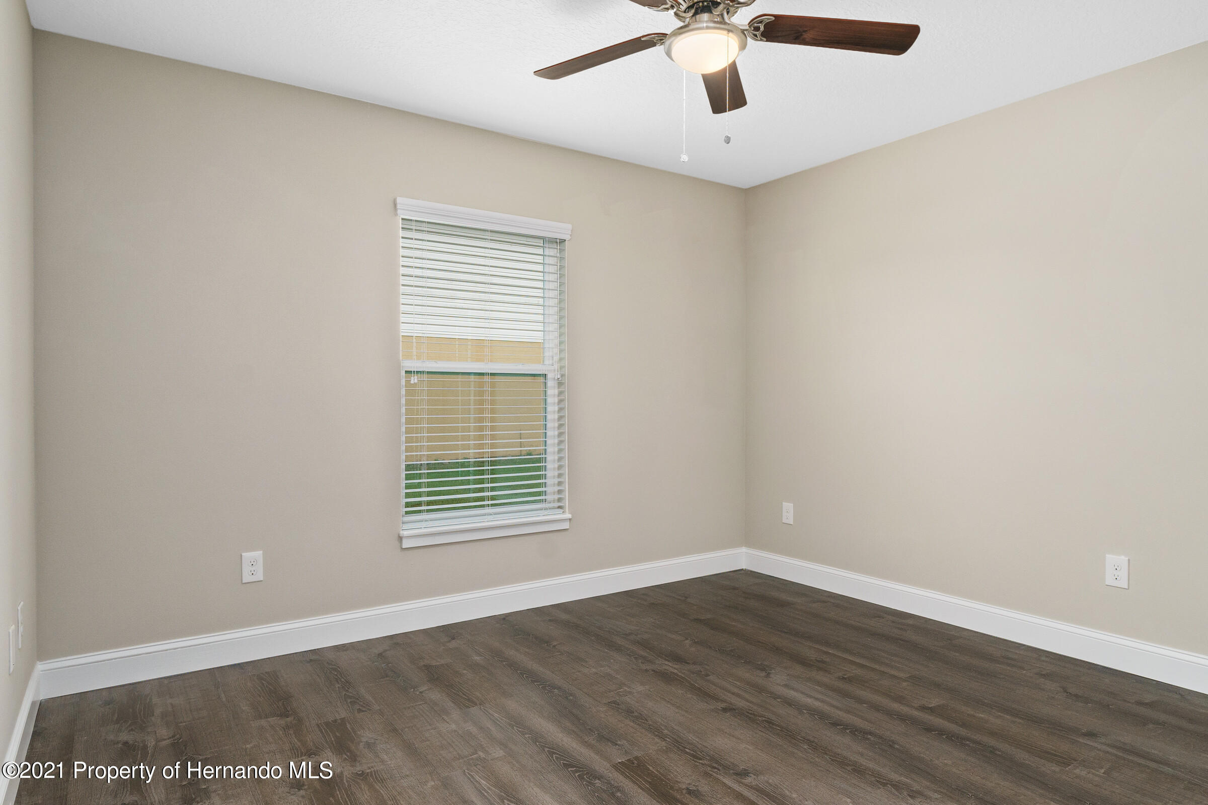 Listing photo id 36 for 0 Day Owl Avenue