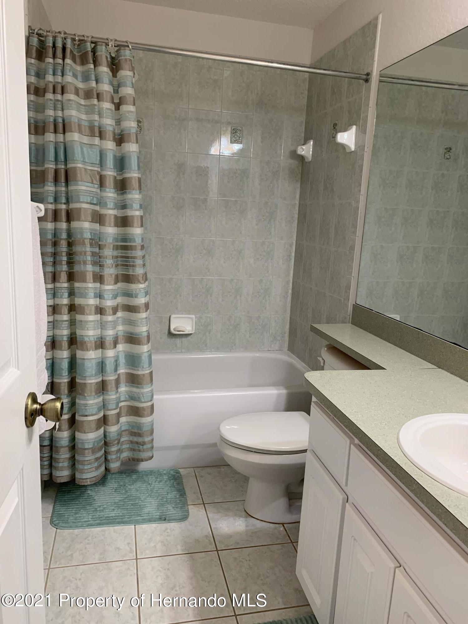 Listing photo id 19 for 8267 Cresap Street