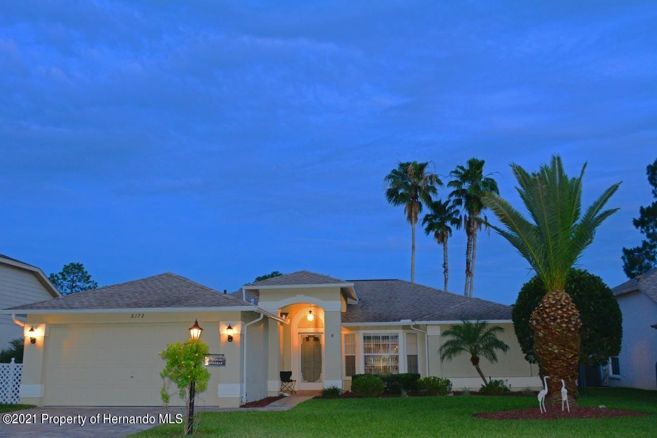 Listing photo id 15 for 8172 Laurel Green Drive