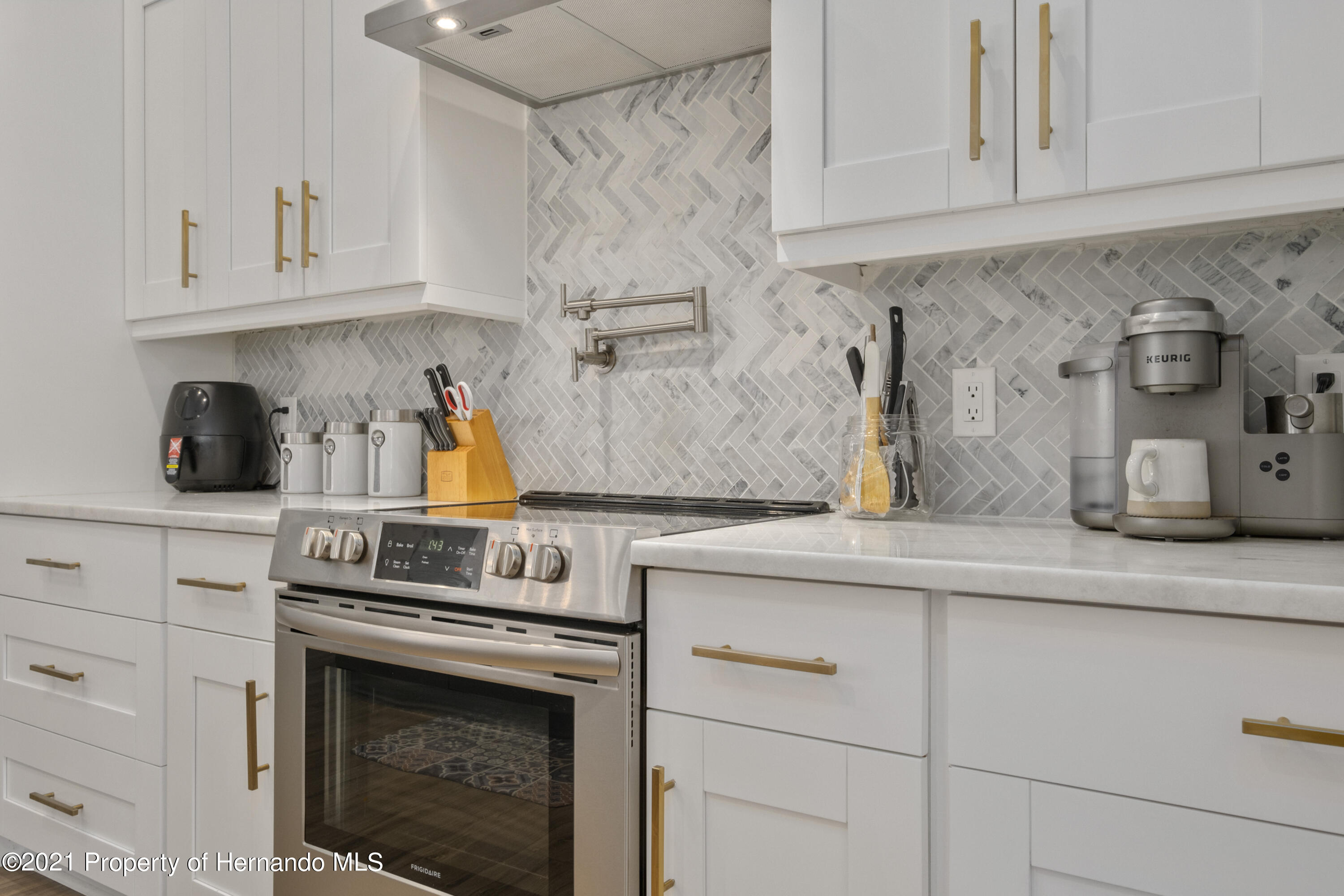 Image 6 For 6117 Waters Way