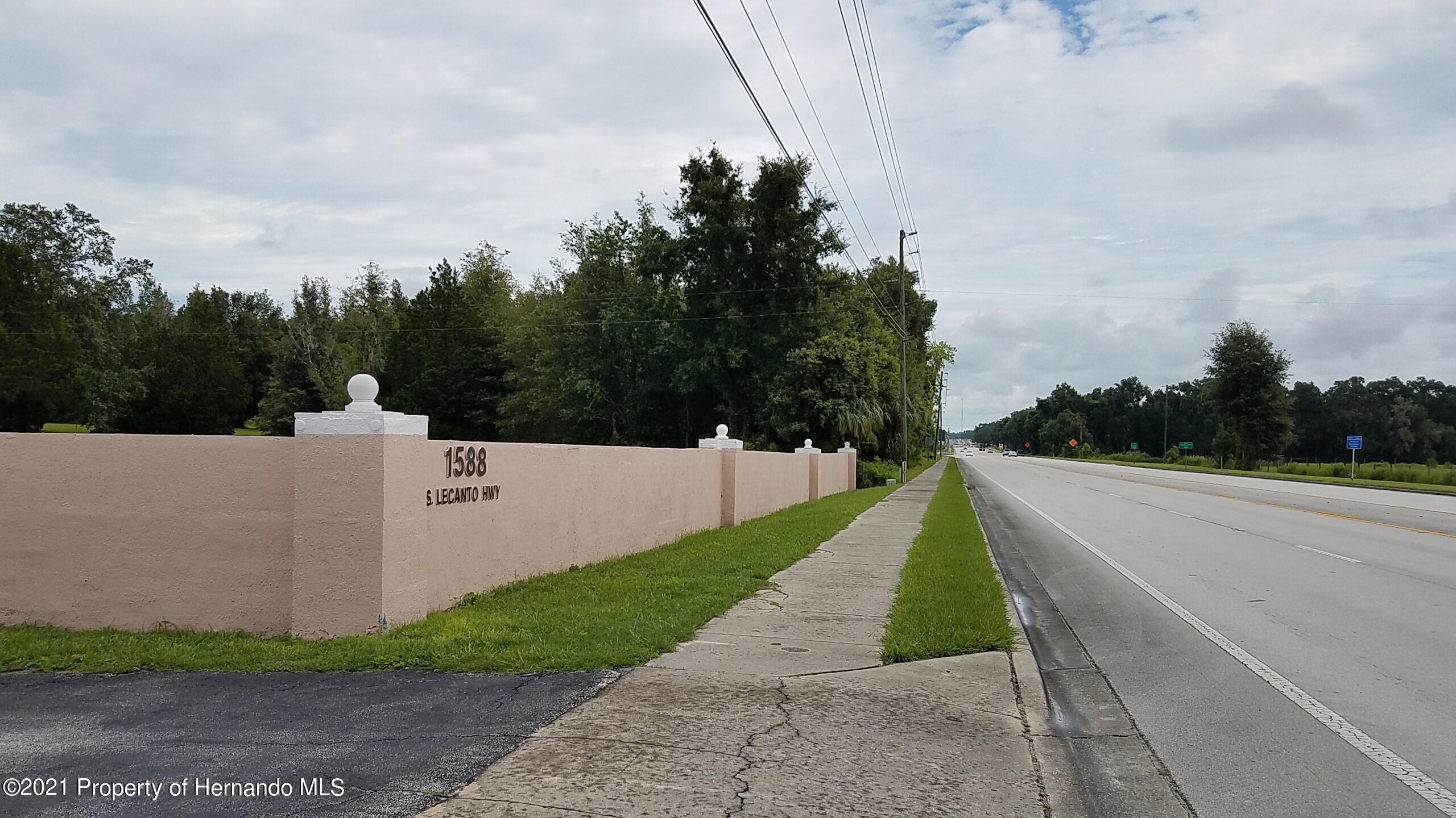 Listing photo id 3 for 1588 Lecanto Highway