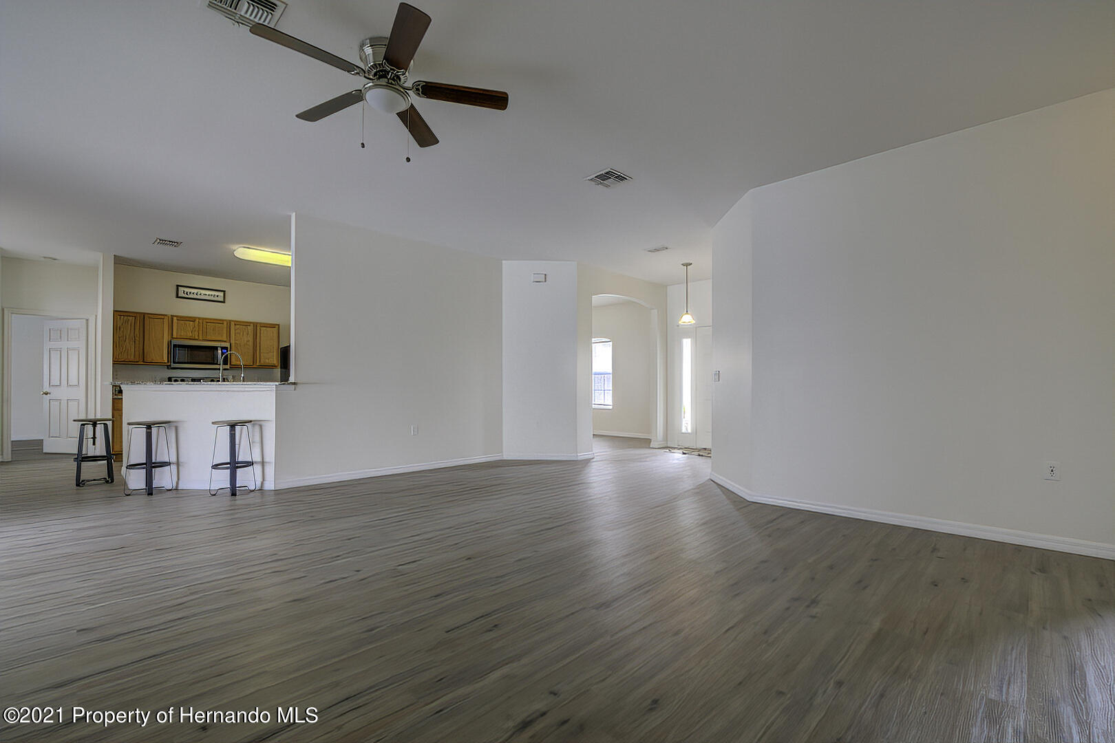 Listing photo id 14 for 7366 Galt Point