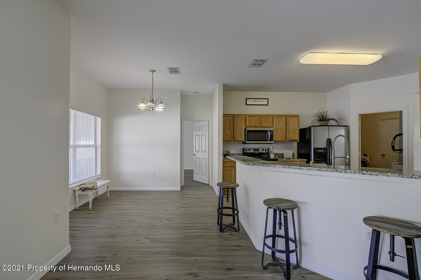 Listing photo id 16 for 7366 Galt Point