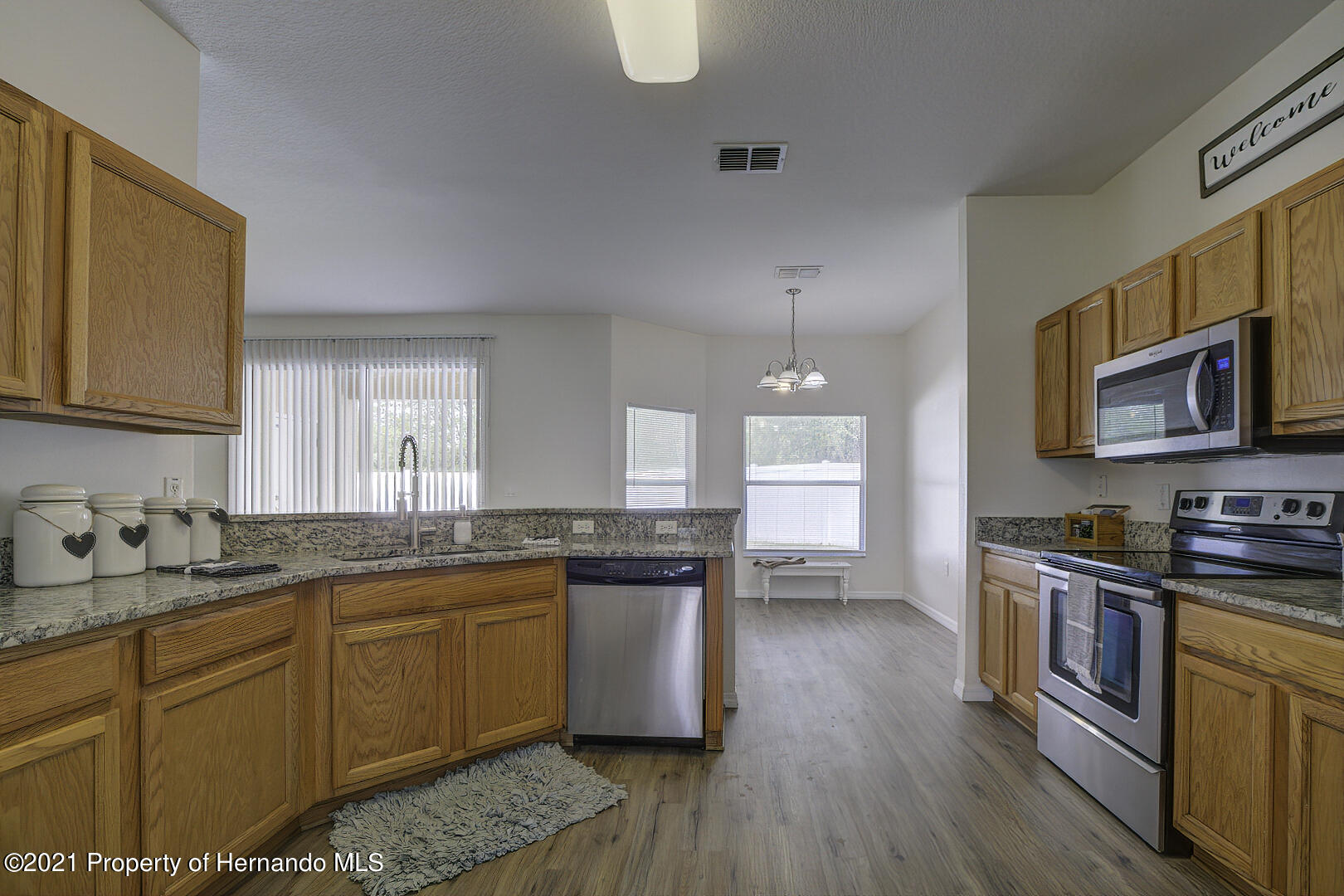 Listing photo id 23 for 7366 Galt Point