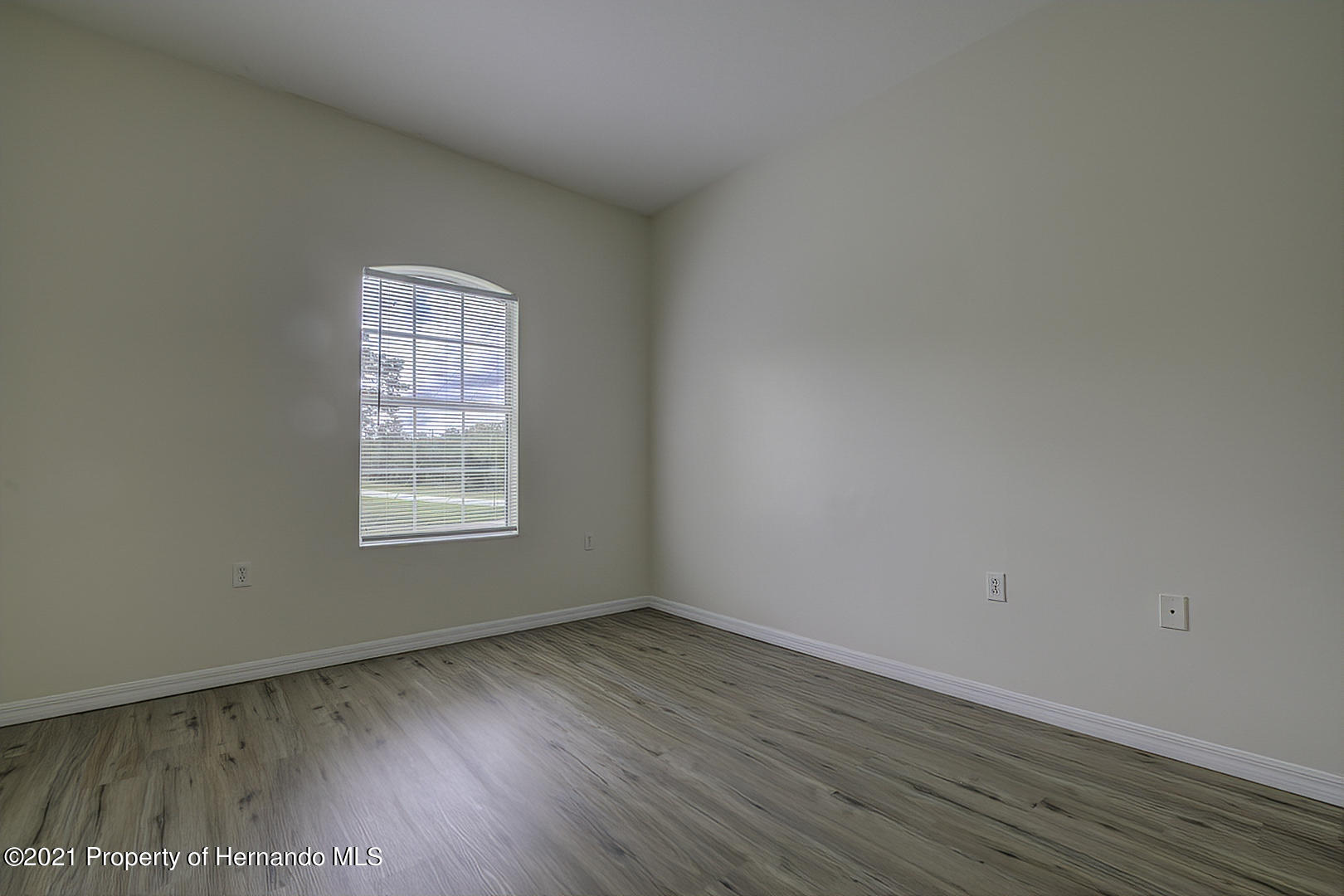 Listing photo id 36 for 7366 Galt Point