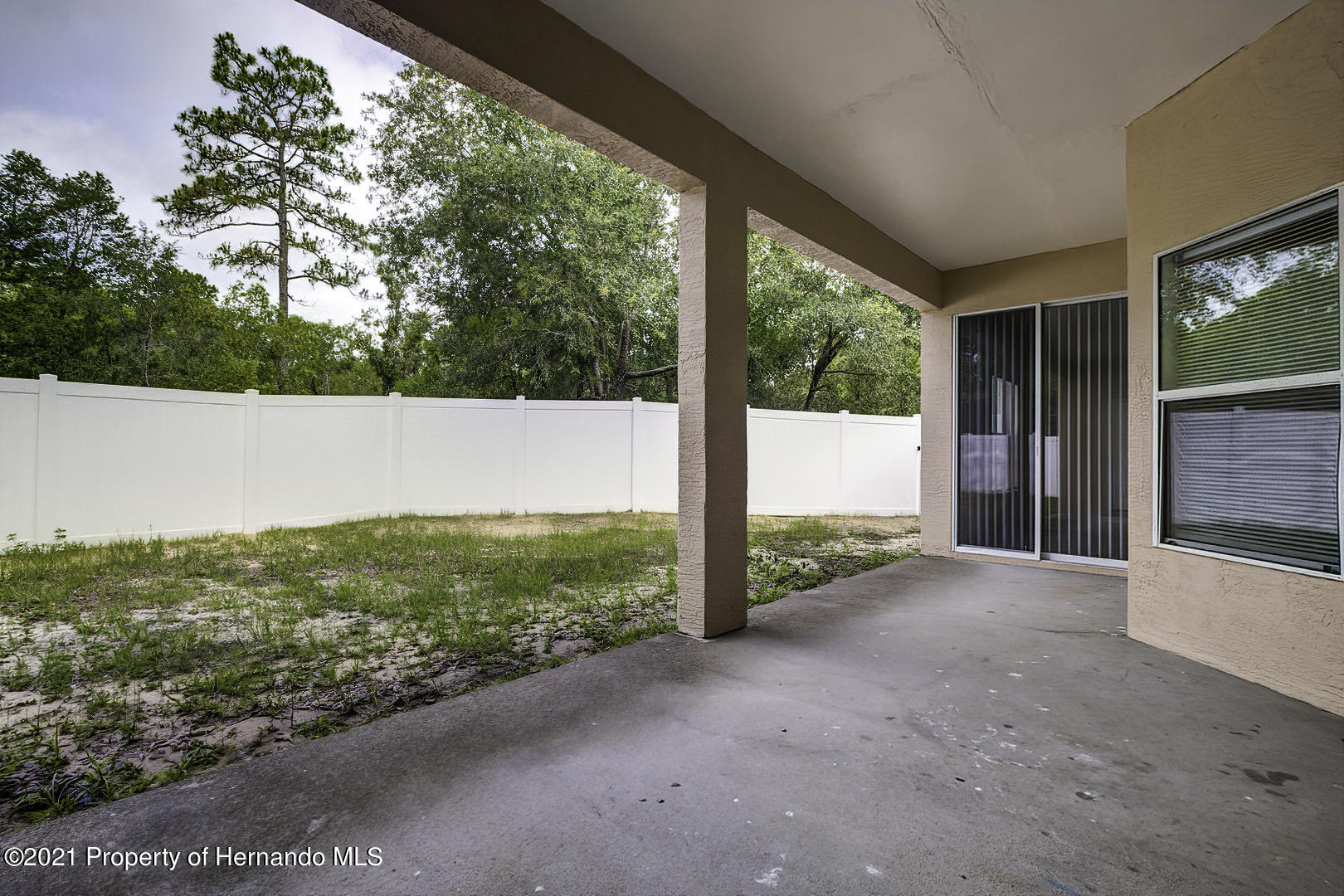 Listing photo id 51 for 7366 Galt Point