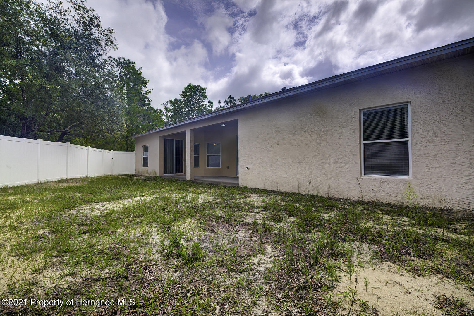 Listing photo id 53 for 7366 Galt Point