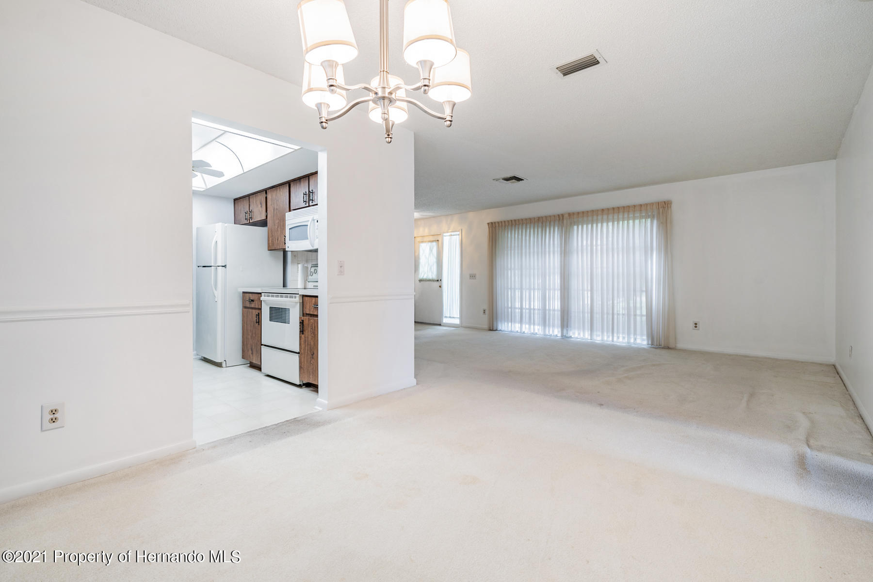Listing photo id 20 for 52 Sycamore Circle