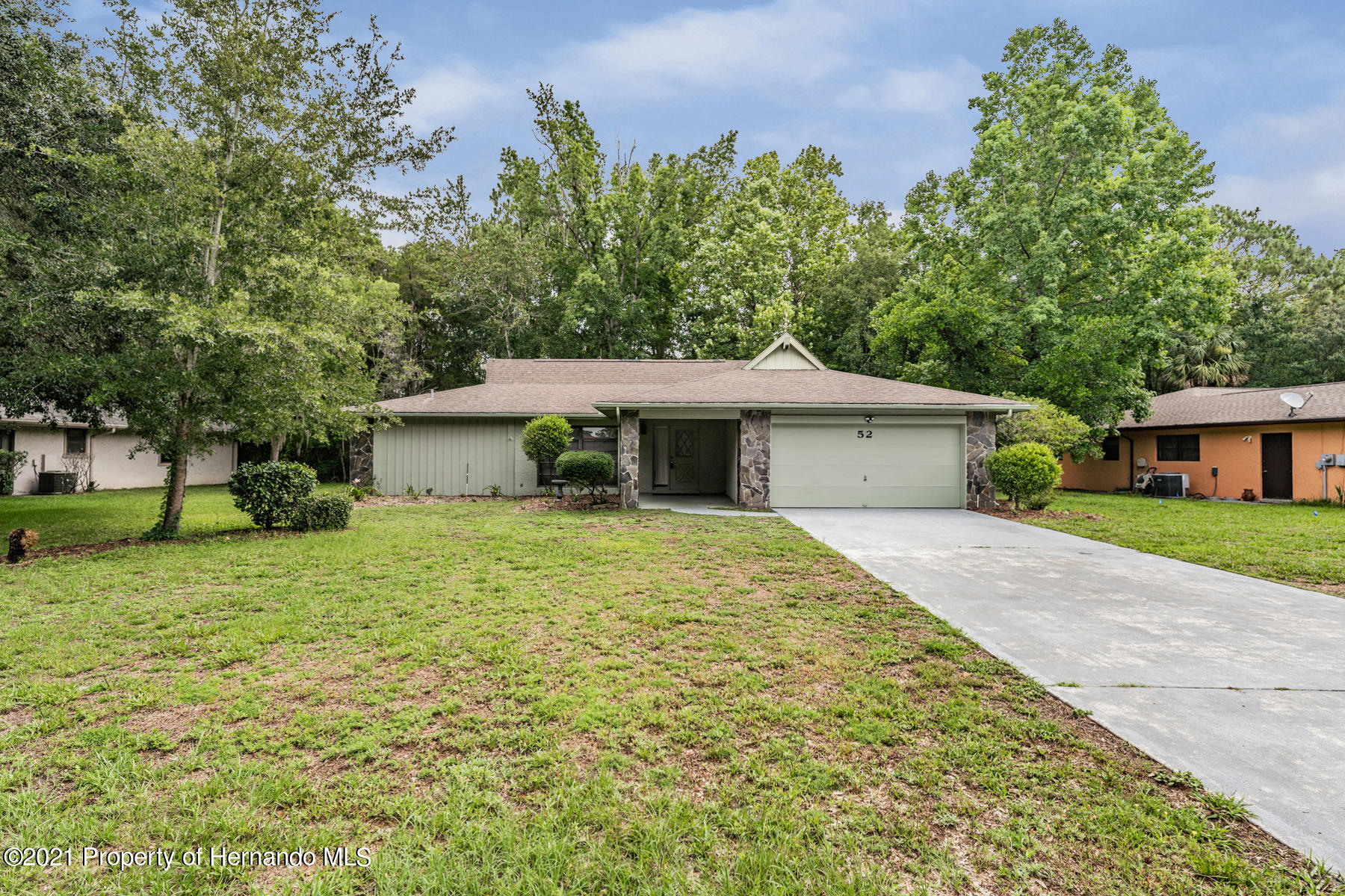 Listing photo id 4 for 52 Sycamore Circle