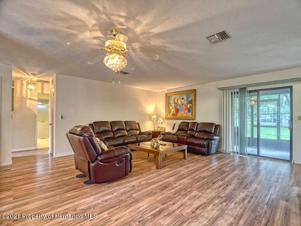 Listing photo id 5 for 8101 Sw 100th Lane Road