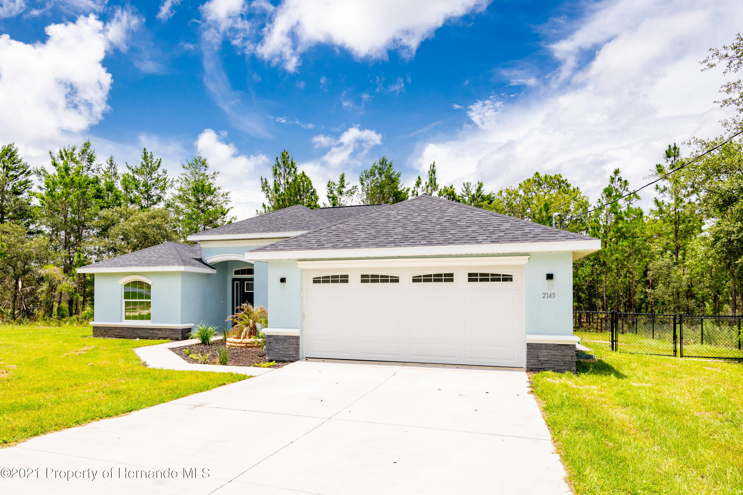Listing photo id 2 for 2145 W Riley Drive
