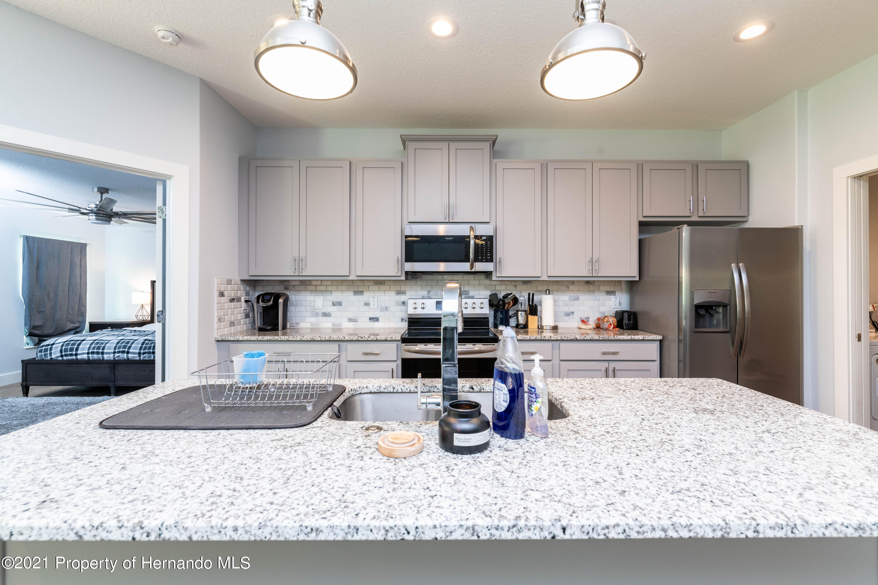 Listing photo id 6 for 2145 W Riley Drive