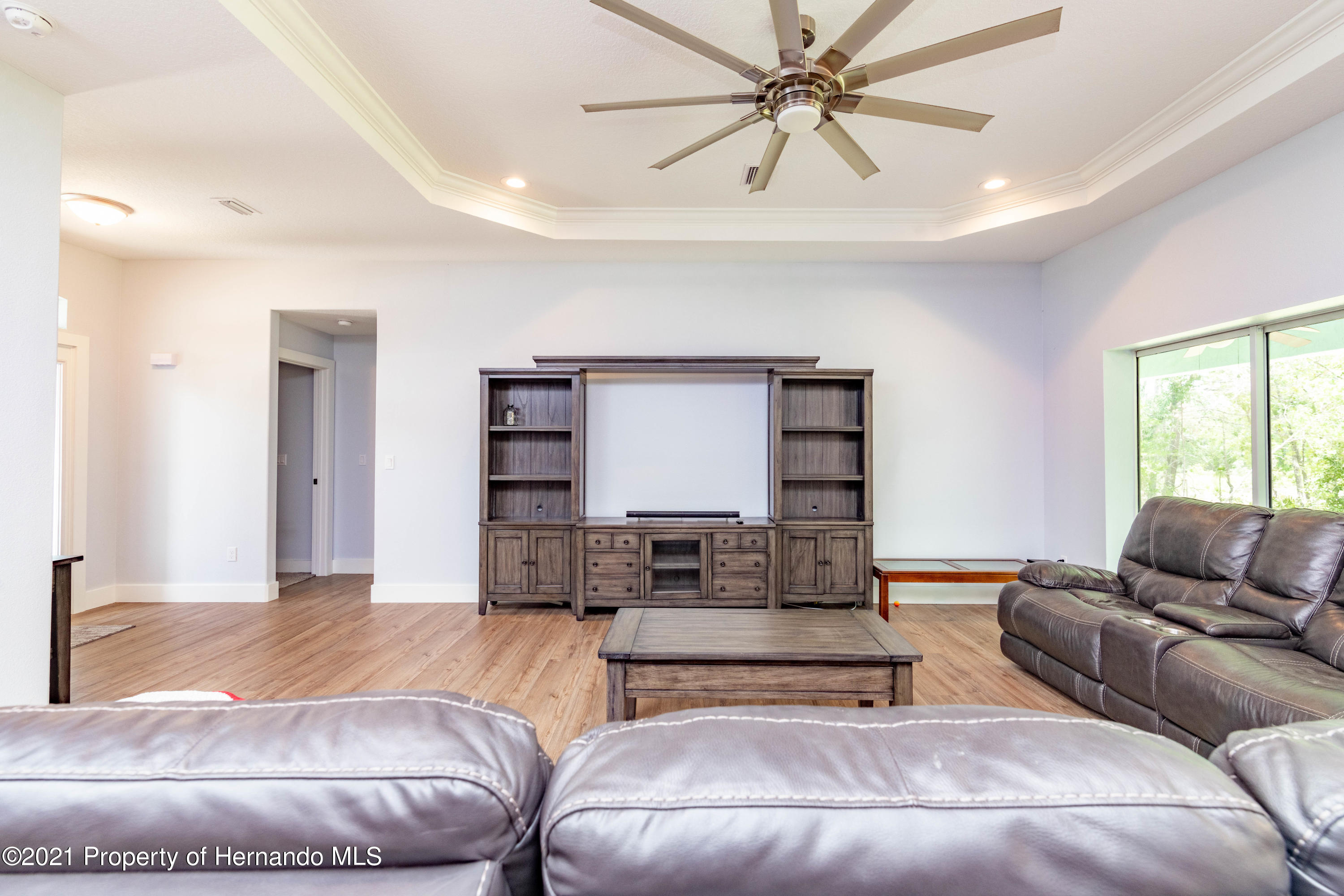 Listing photo id 5 for 2145 W Riley Drive