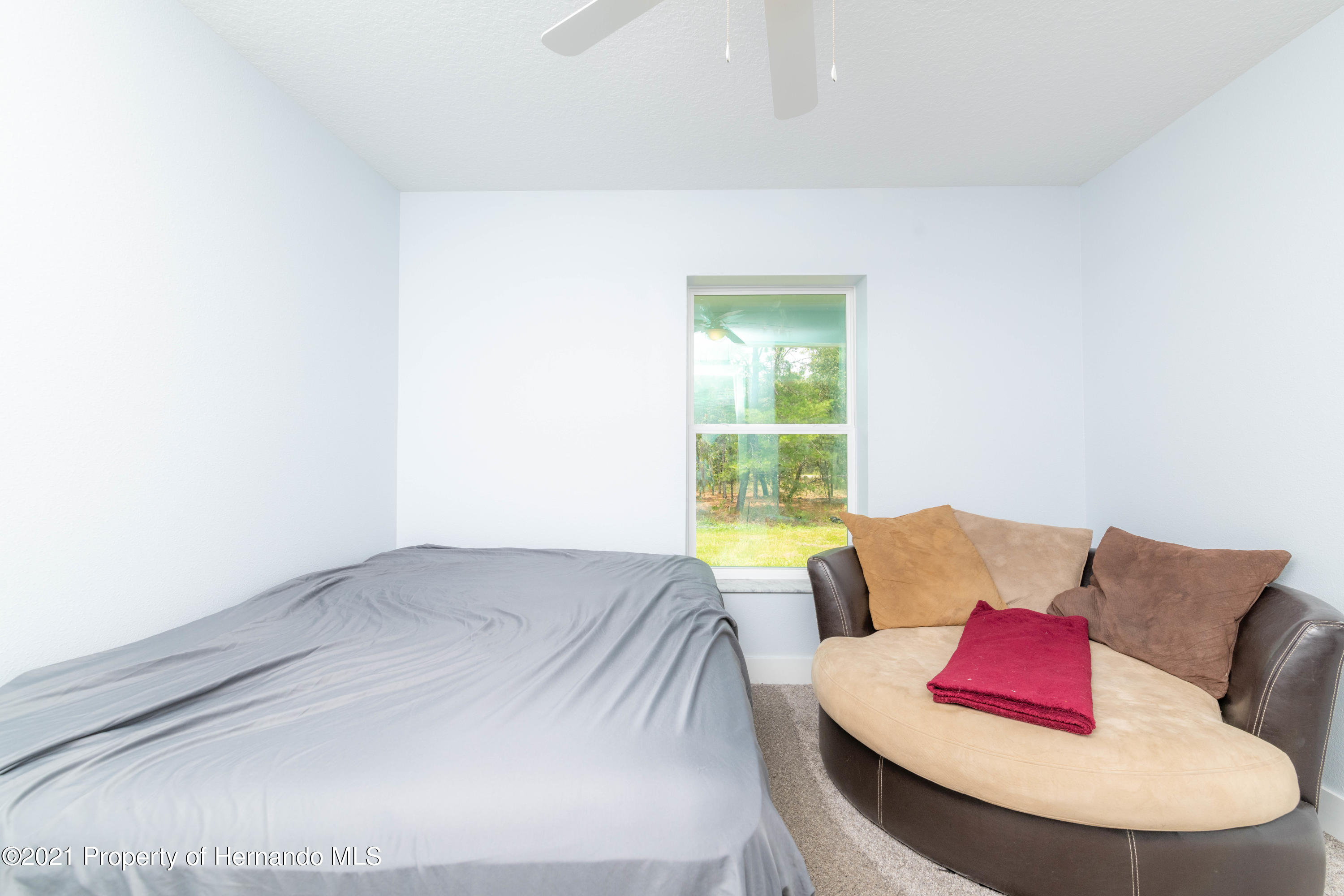 Listing photo id 23 for 2145 W Riley Drive