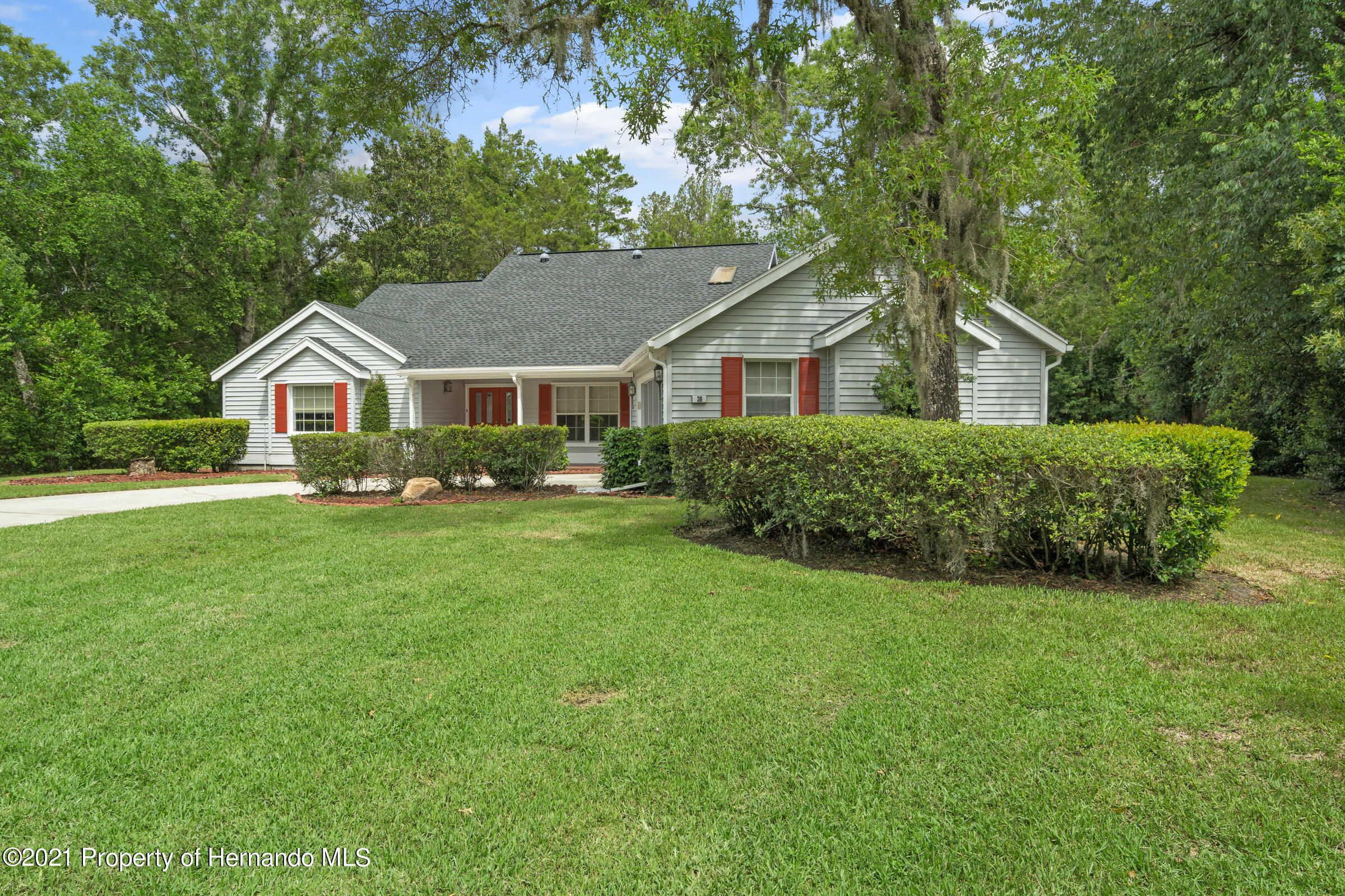 Listing photo id 2 for 36 Redbay Court