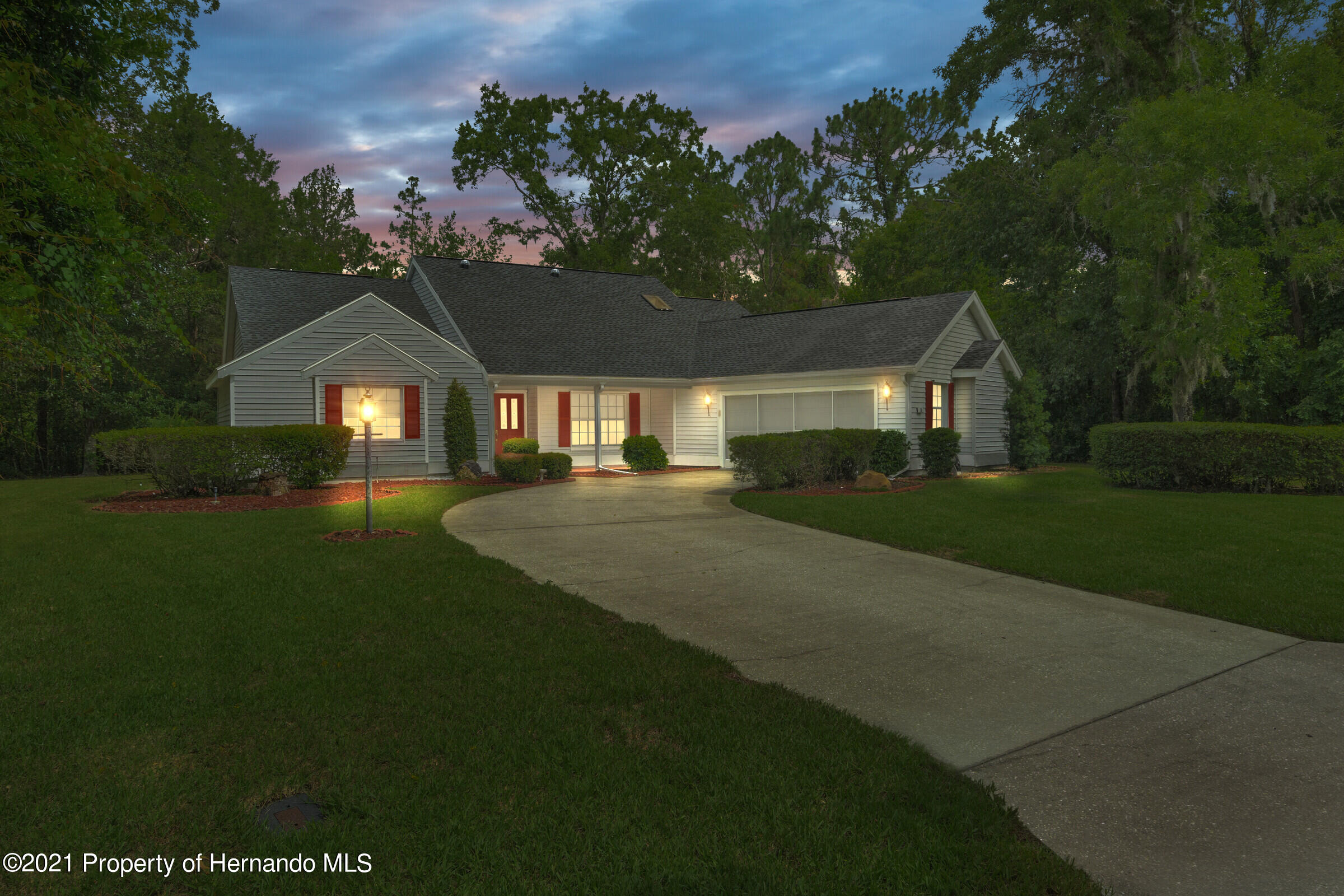 Listing photo id 40 for 36 Redbay Court
