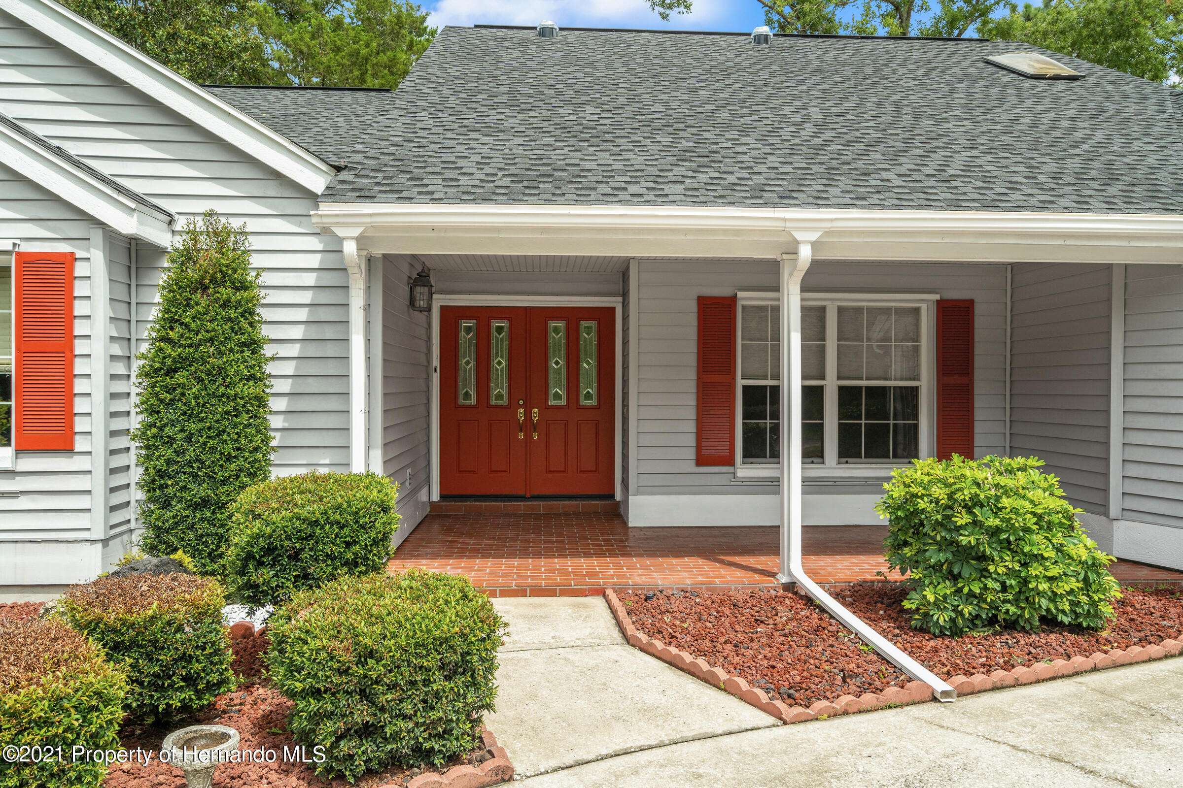 Listing photo id 4 for 36 Redbay Court