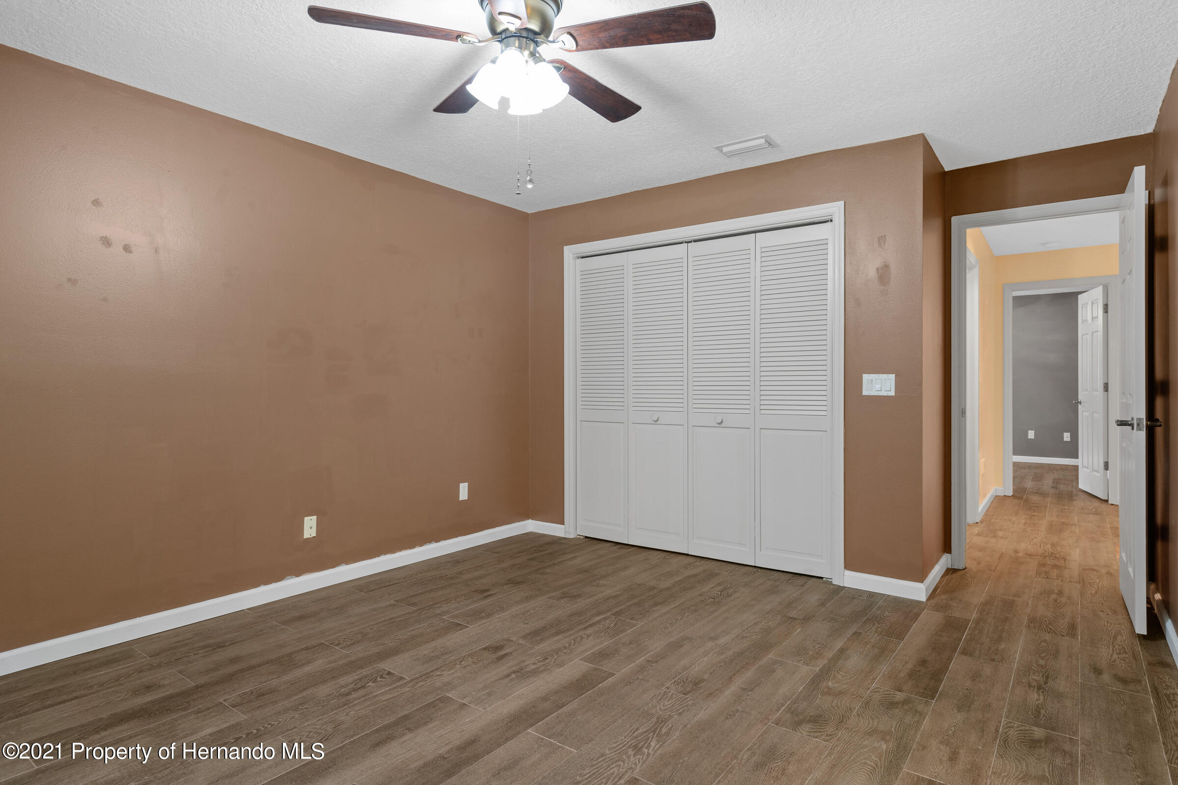Listing photo id 18 for 36 Redbay Court
