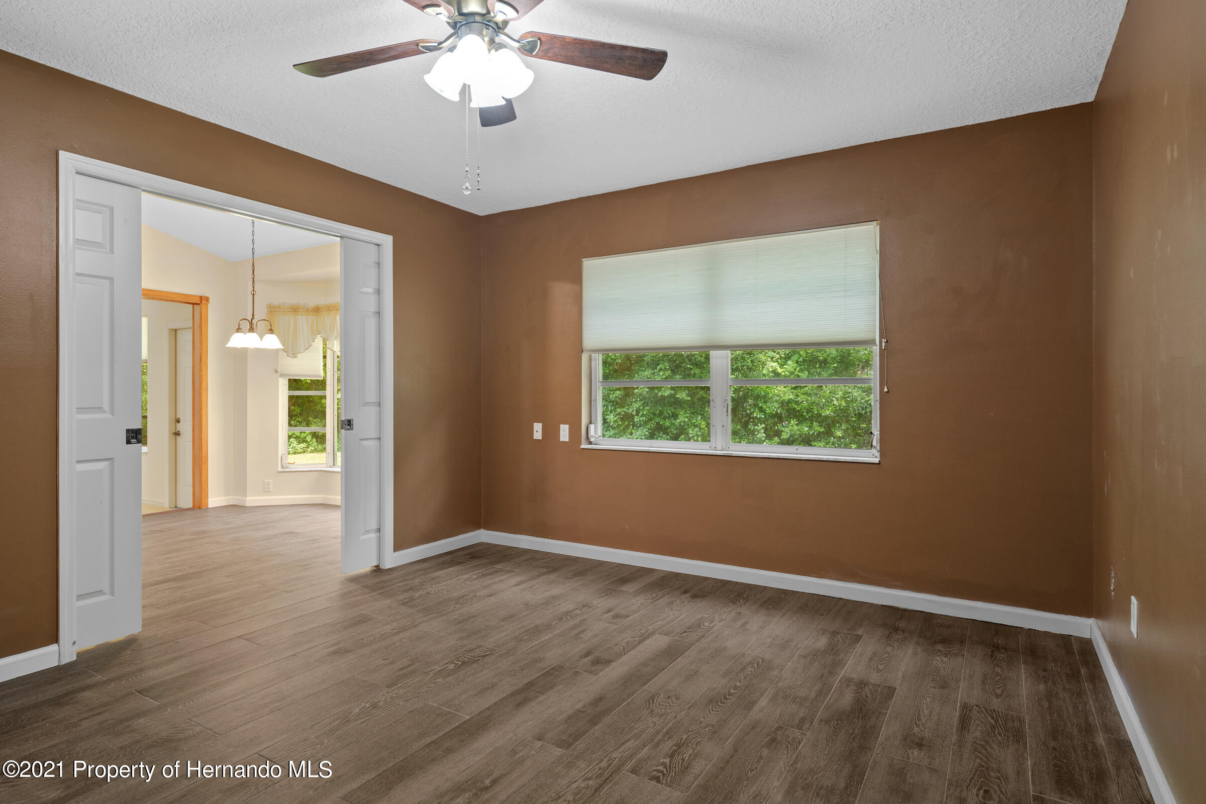 Listing photo id 19 for 36 Redbay Court