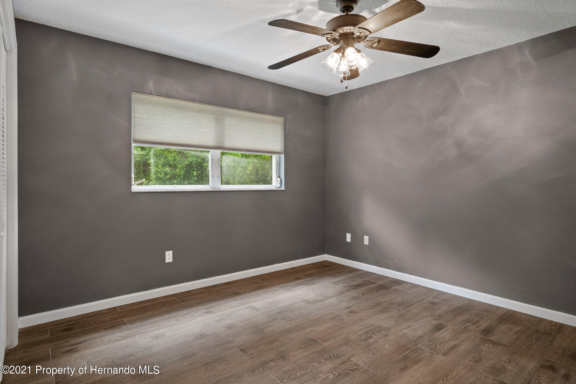 Listing photo id 21 for 36 Redbay Court