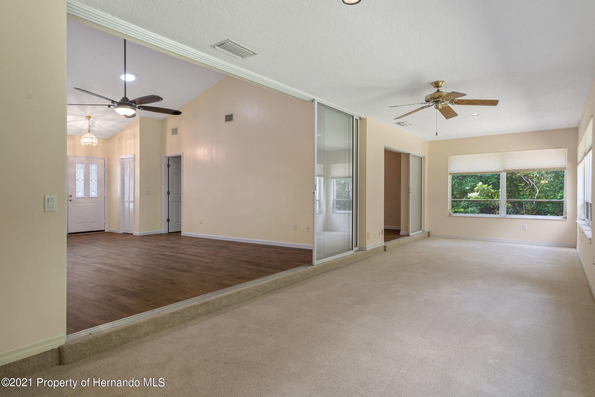 Listing photo id 34 for 36 Redbay Court
