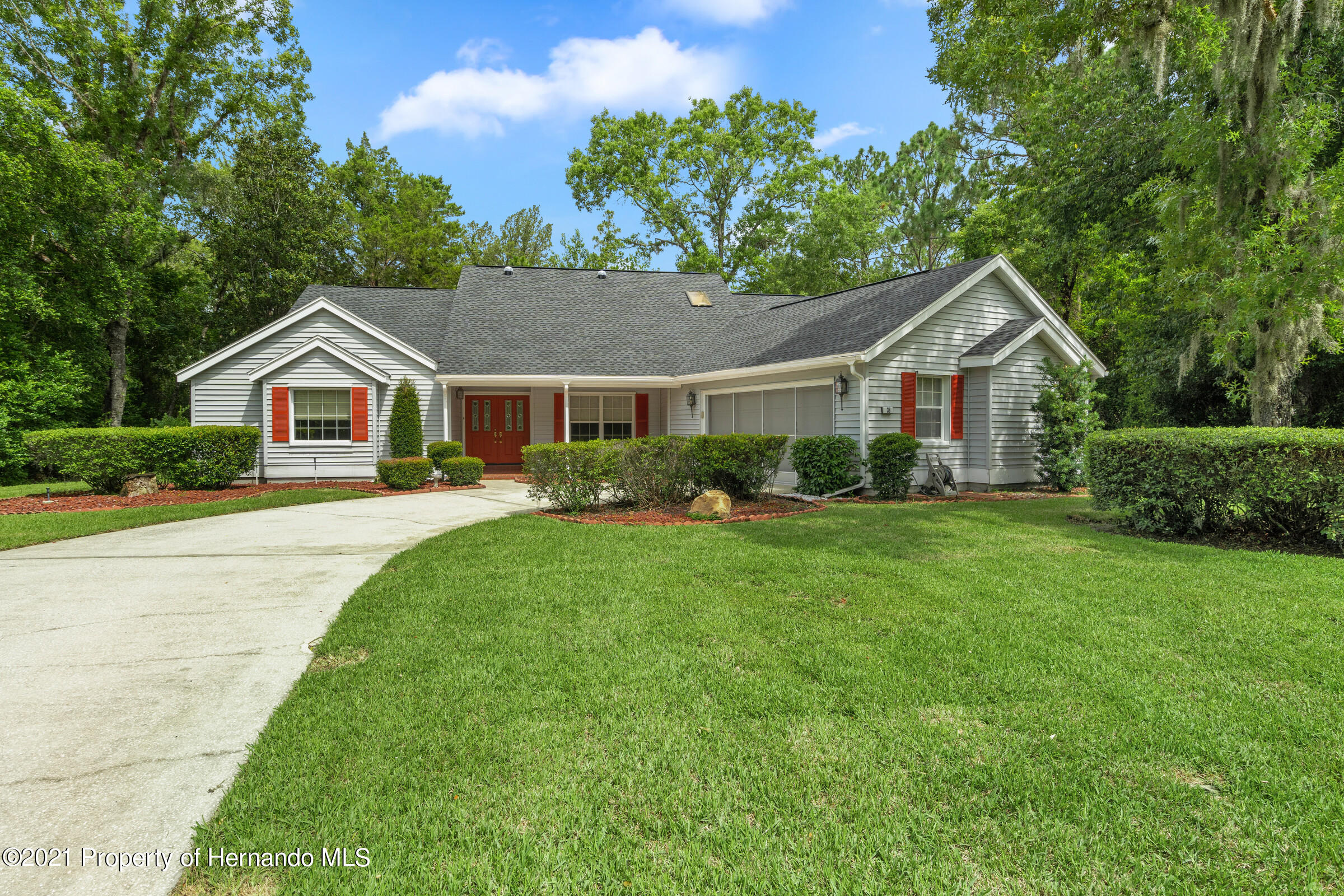 Listing photo id 41 for 36 Redbay Court