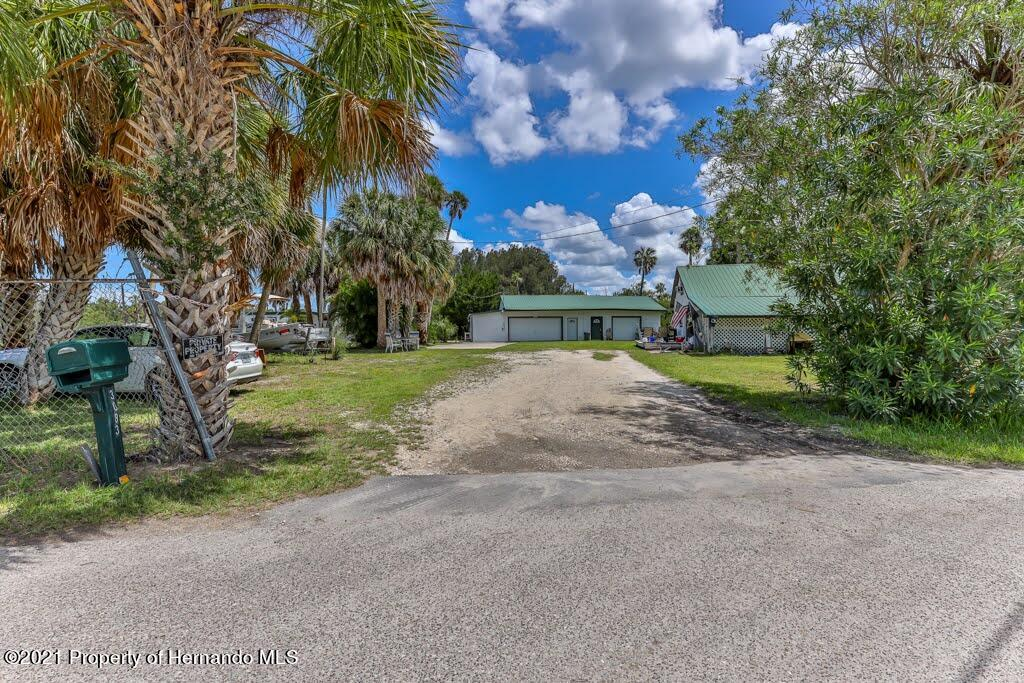Listing photo id 4 for 3083 Sunset Vista Drive