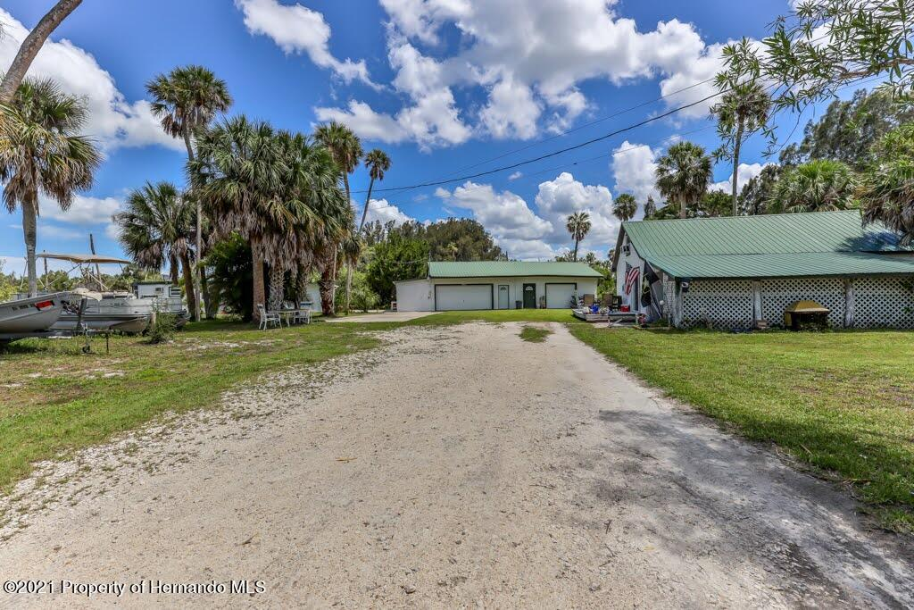 Listing photo id 5 for 3083 Sunset Vista Drive