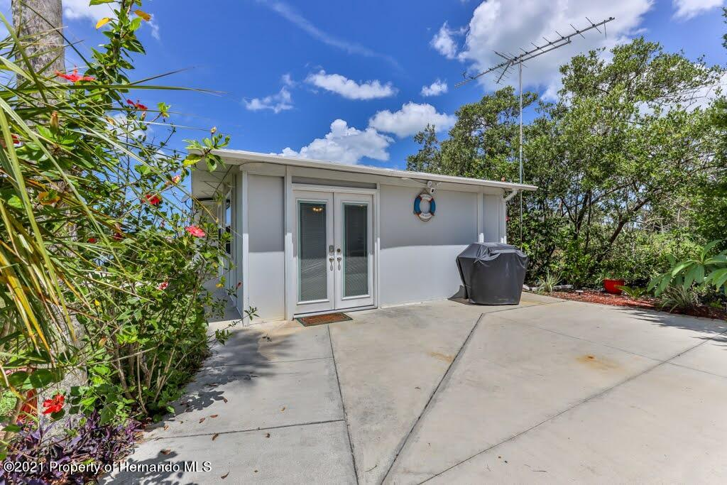 Listing photo id 9 for 3083 Sunset Vista Drive