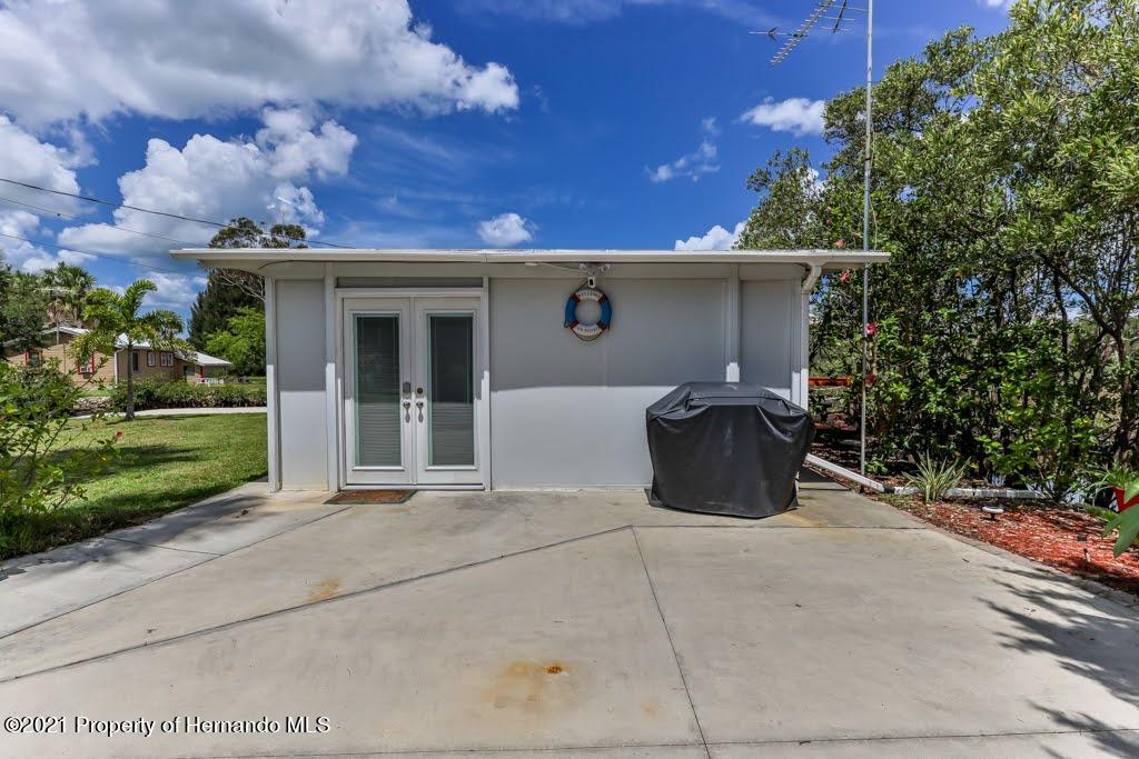 Listing photo id 11 for 3083 Sunset Vista Drive