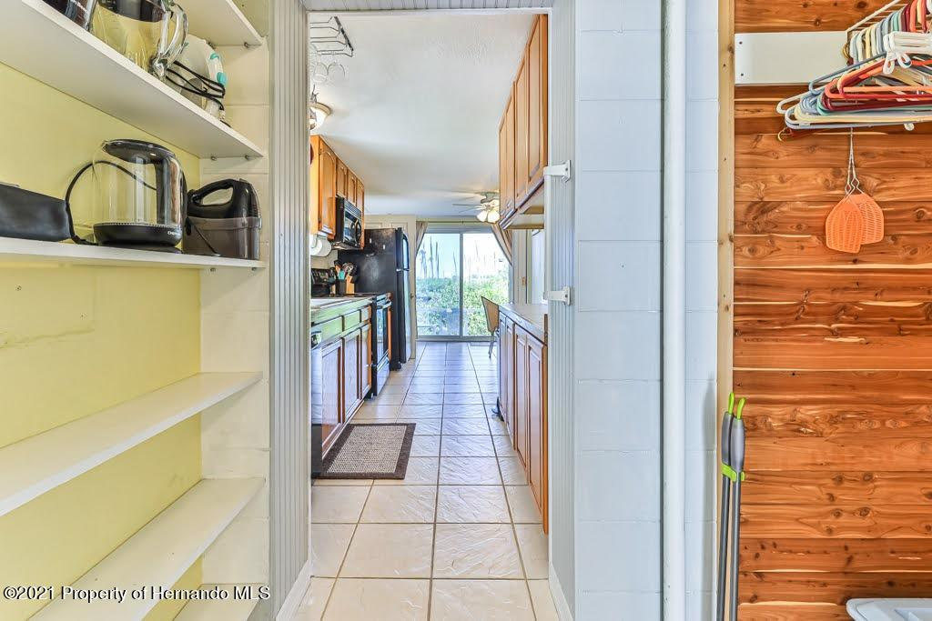 Listing photo id 17 for 3083 Sunset Vista Drive