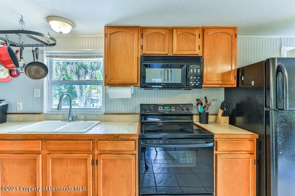 Listing photo id 18 for 3083 Sunset Vista Drive