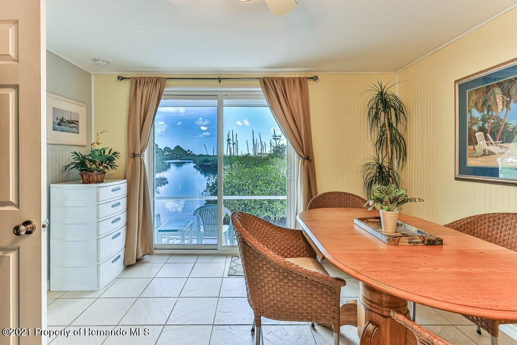 Listing photo id 22 for 3083 Sunset Vista Drive