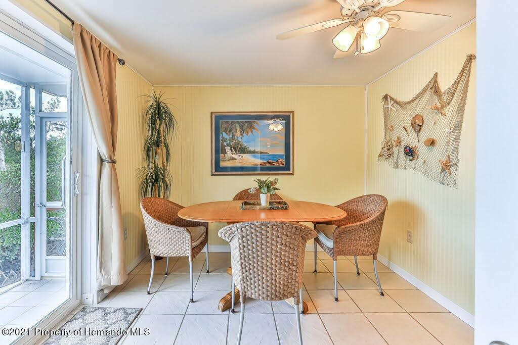 Listing photo id 23 for 3083 Sunset Vista Drive