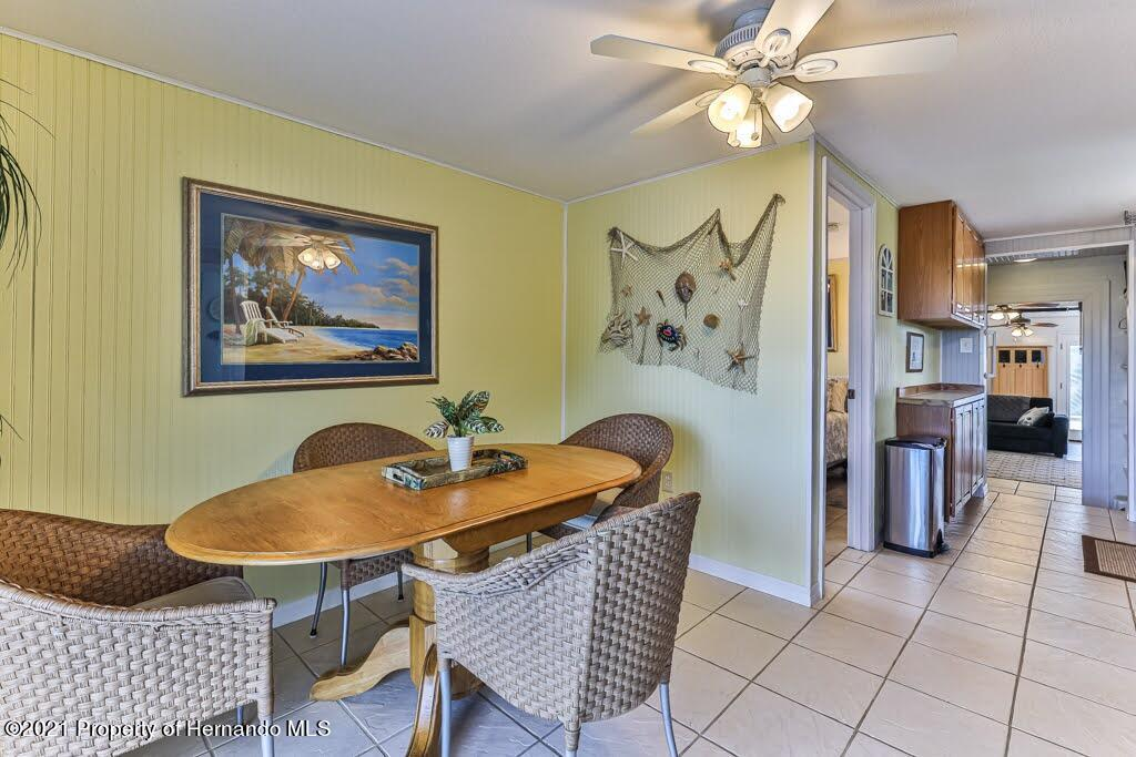 Listing photo id 24 for 3083 Sunset Vista Drive