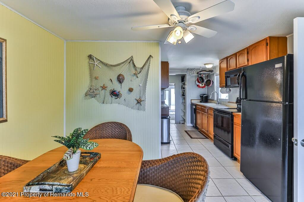 Listing photo id 25 for 3083 Sunset Vista Drive