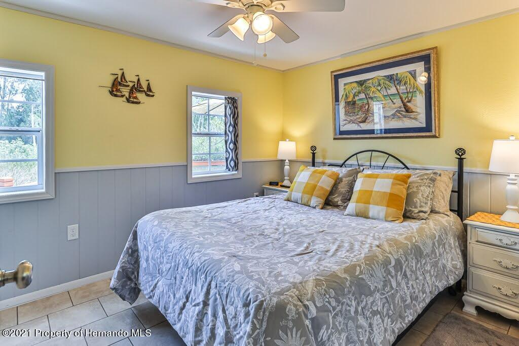 Listing photo id 27 for 3083 Sunset Vista Drive