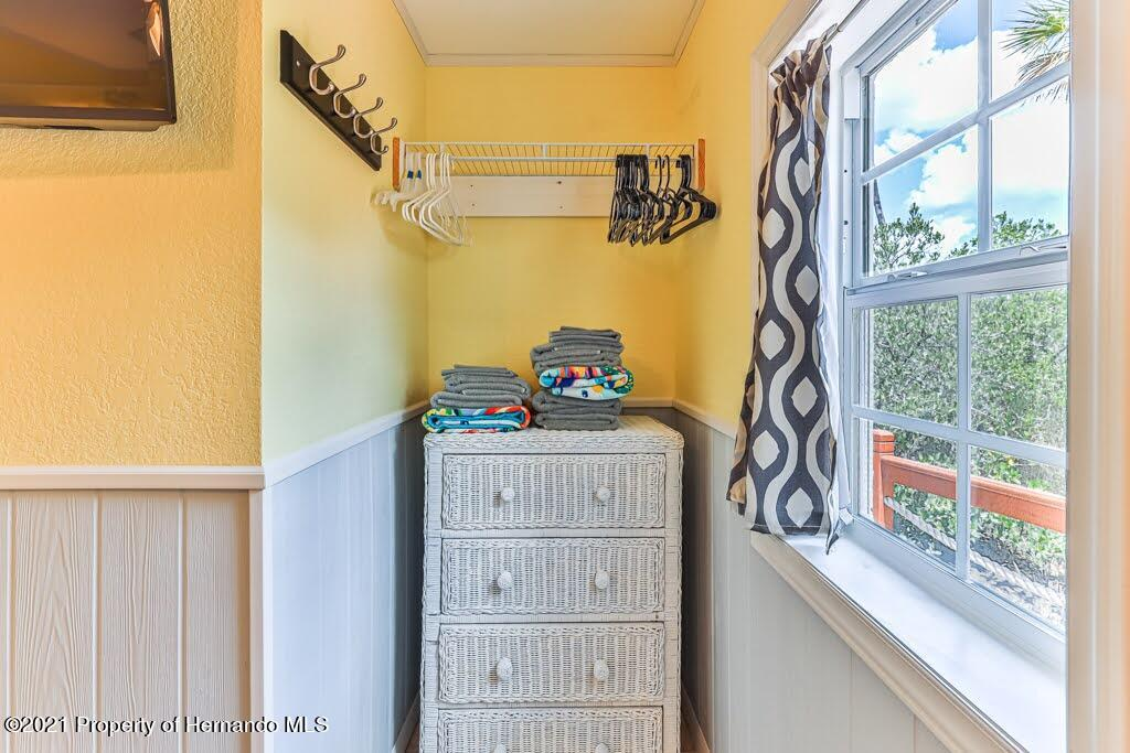 Listing photo id 29 for 3083 Sunset Vista Drive