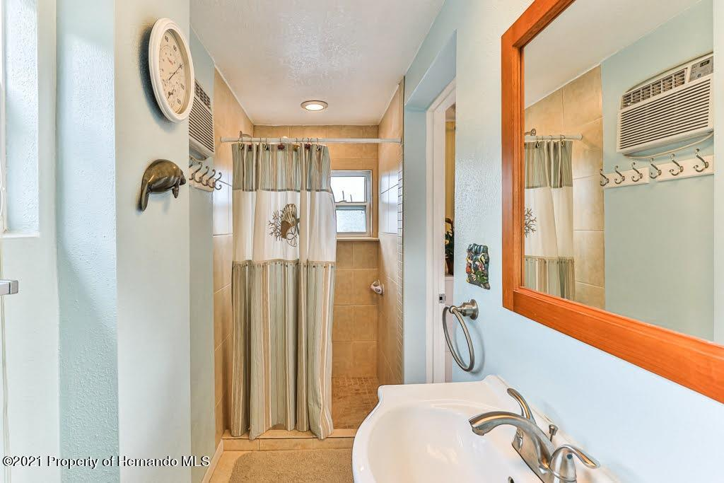 Listing photo id 31 for 3083 Sunset Vista Drive
