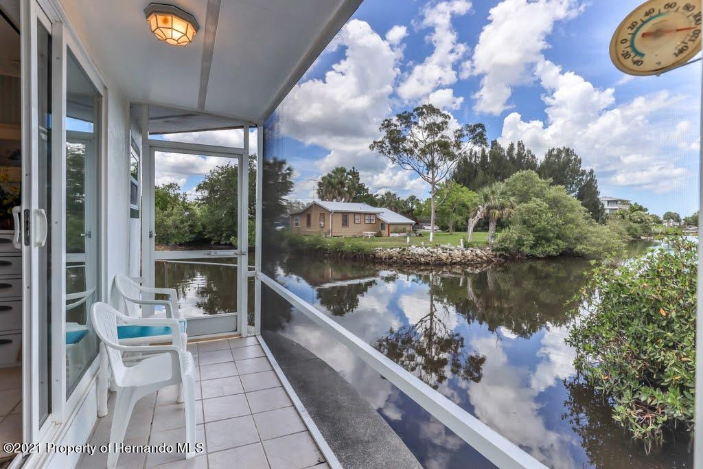 Listing photo id 32 for 3083 Sunset Vista Drive