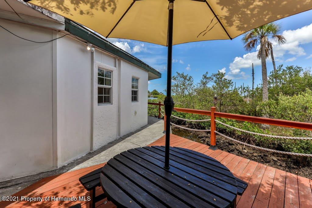 Listing photo id 36 for 3083 Sunset Vista Drive