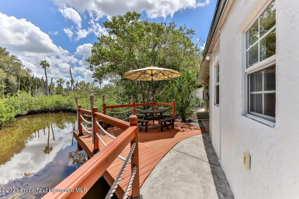 Listing photo id 37 for 3083 Sunset Vista Drive